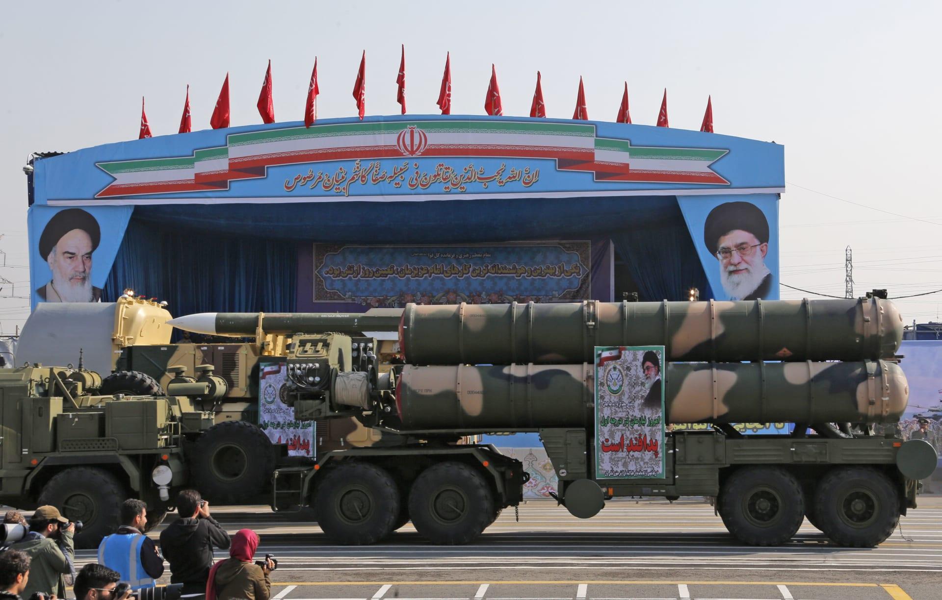 """إيران تحذر """"الأعداء"""": أيادينا على الزناد وصواريخنا جاهزة للإطلاق"""
