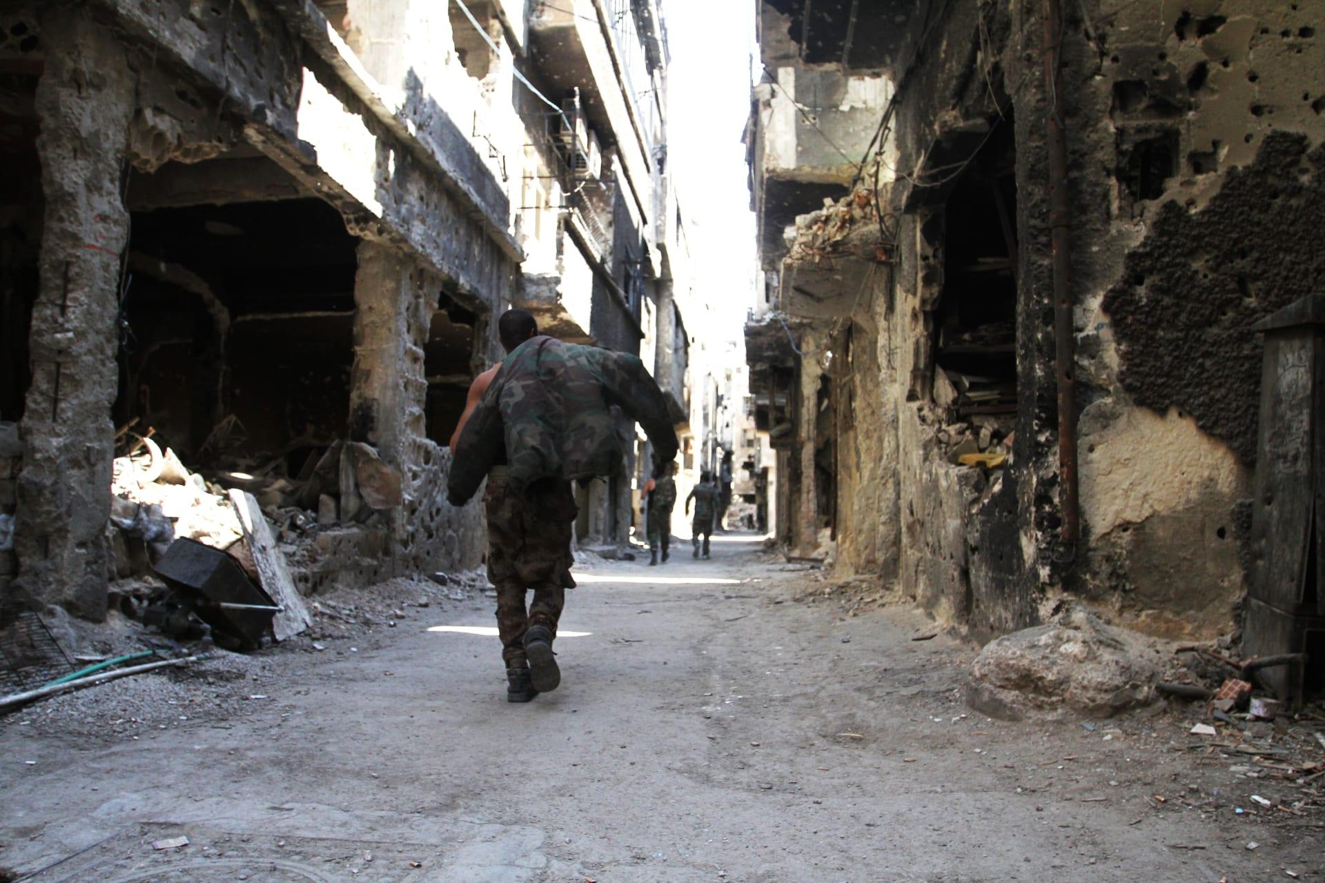 """سانا: أنباء عن التوصل لاتفاق ينص على خروج """"داعش"""" من اليرموك إلى إدلب"""