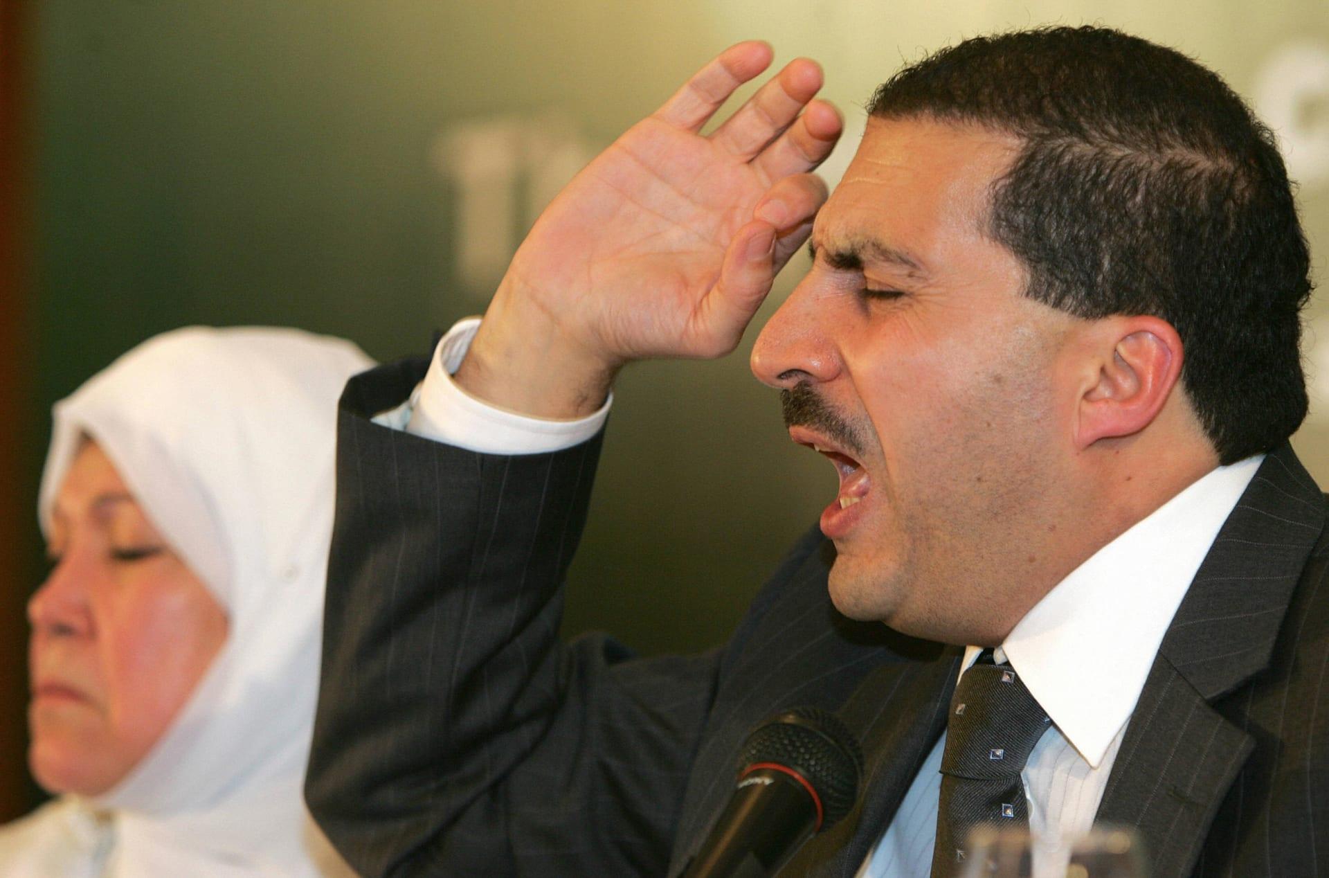 """في رمضان.. """"عمرو خالد للدجاج"""" يثير سخرية المغردين"""