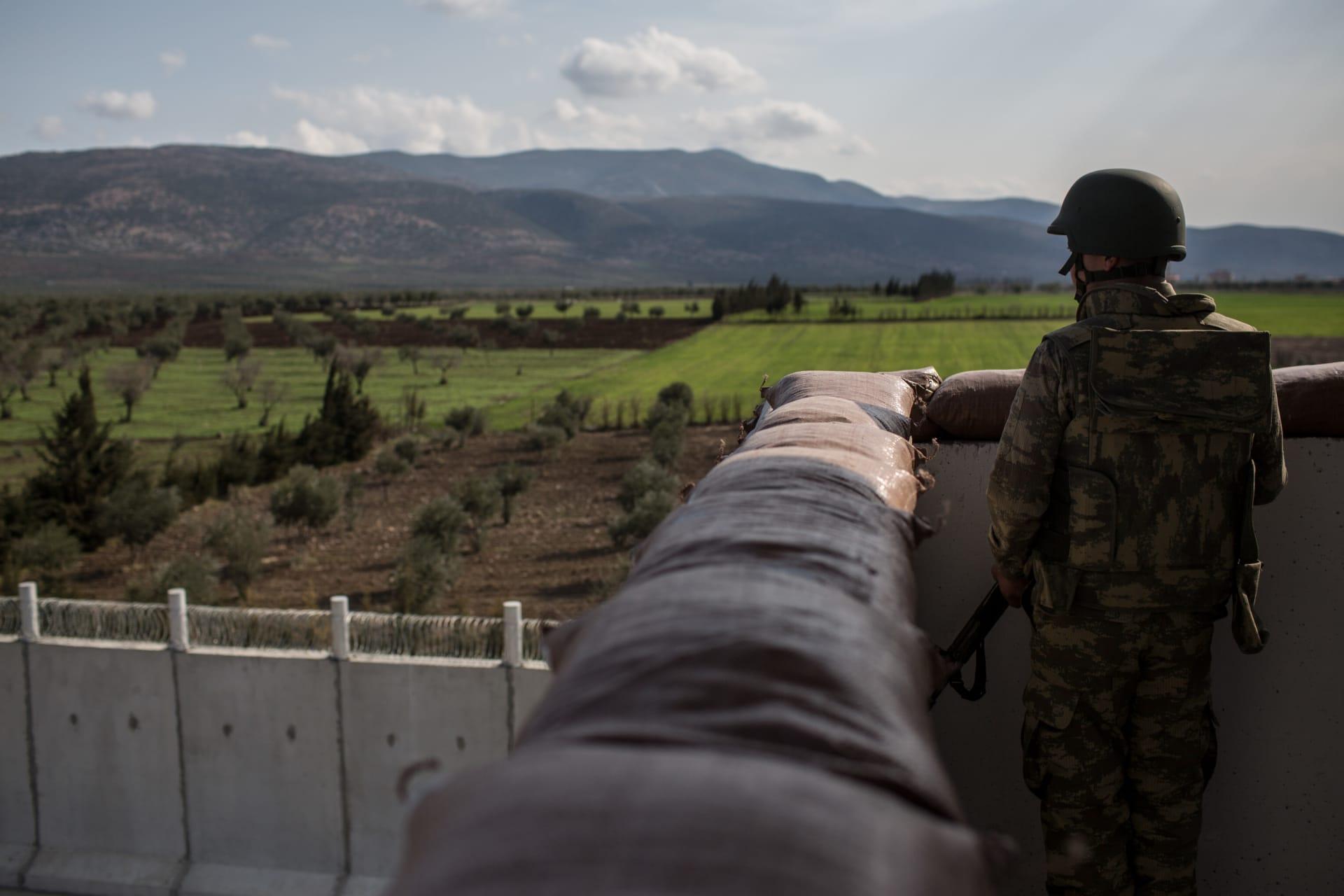 مسؤول تركي: الانتهاء من بناء جدار على طول الحدود مع سوريا