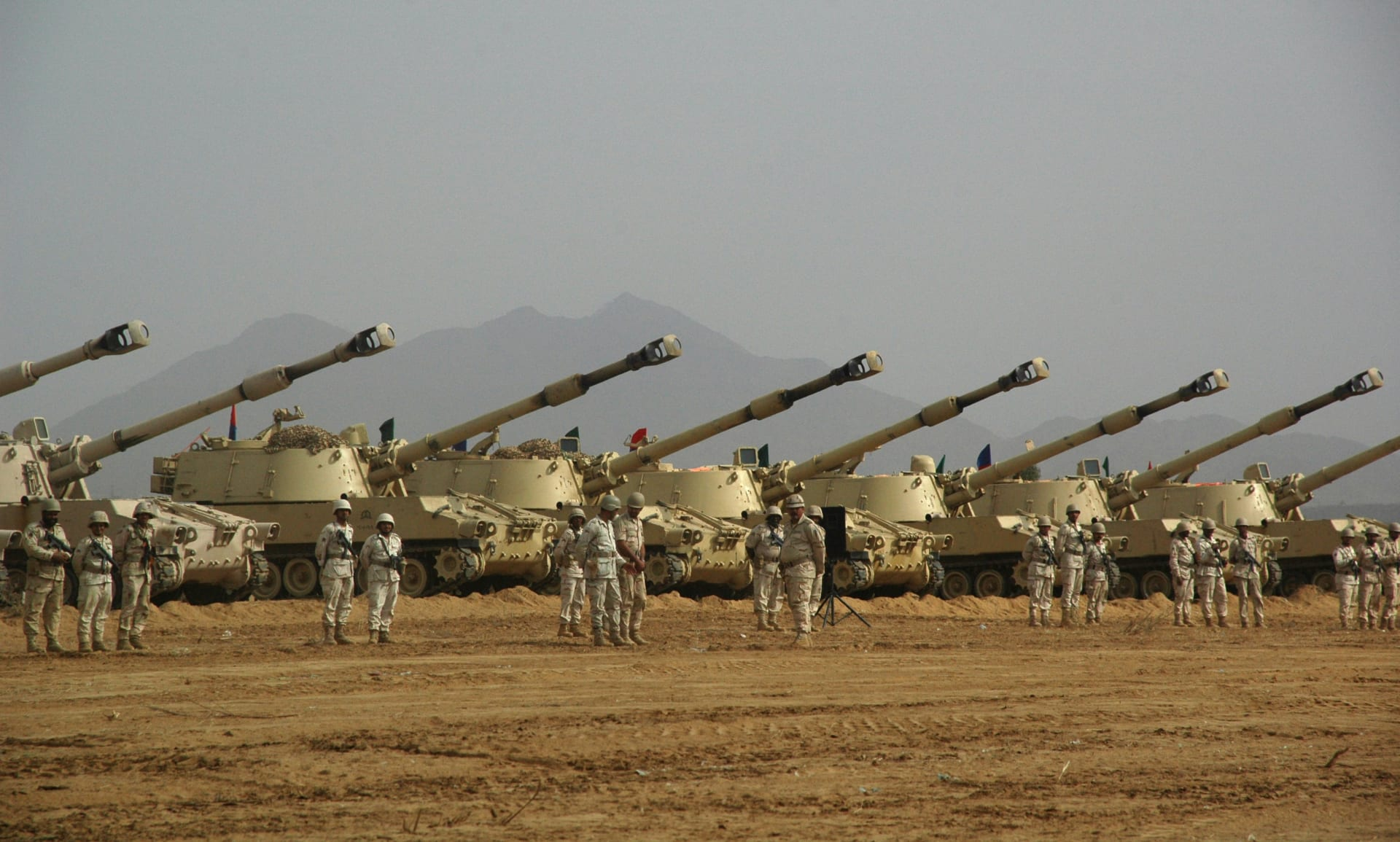 """بالتزامن مع انطلاق عمليات التحالف بالحديدة.. سفير السعودية بأمريكا يبين أهمية """"تحرير"""" المدينة اليمنية"""