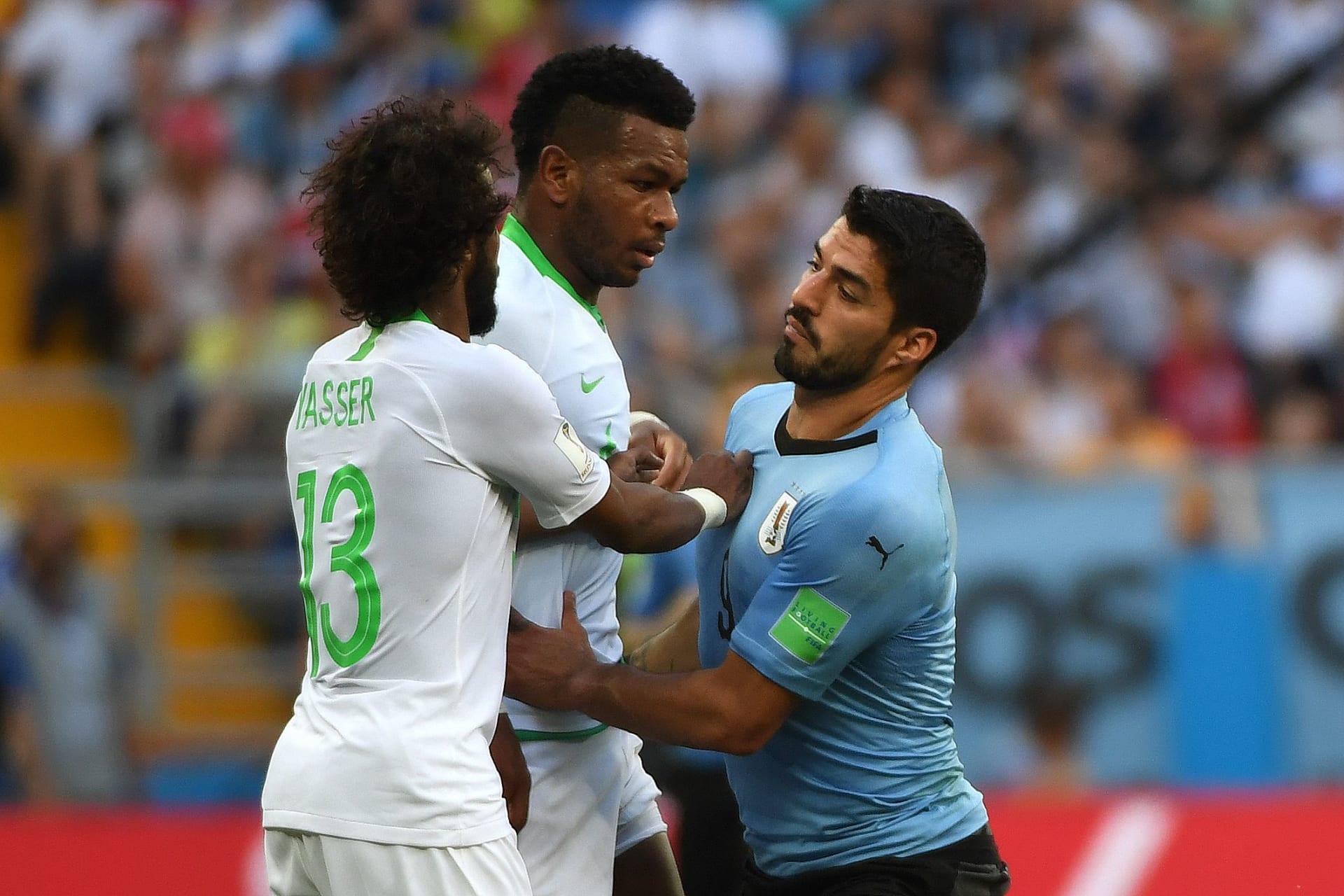 """السعودية ومصر تودعان كأس العالم.. بعد خسارة """"الأخضر"""" أمام أوروغواي"""