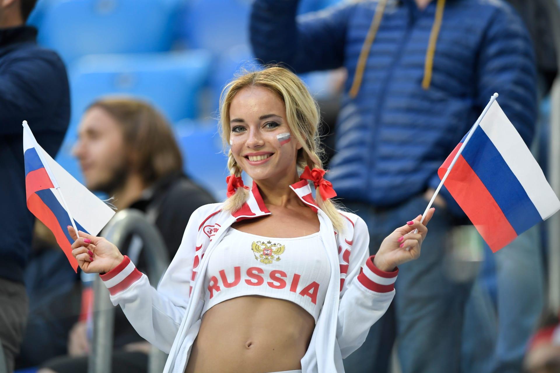 """برغر كينغ يعتذر عن إعلان """"حمل الروسيات"""" من اللاعبين مقابل المال"""