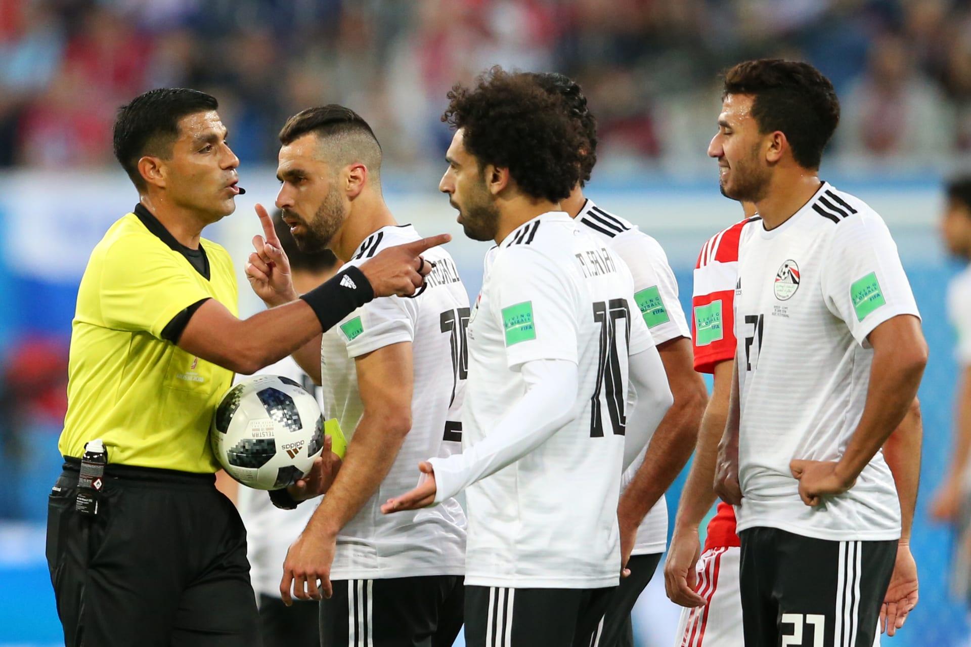 هاني أبوريدة: تقدمنا بشكوى ضد حكم مباراة مصر وروسيا