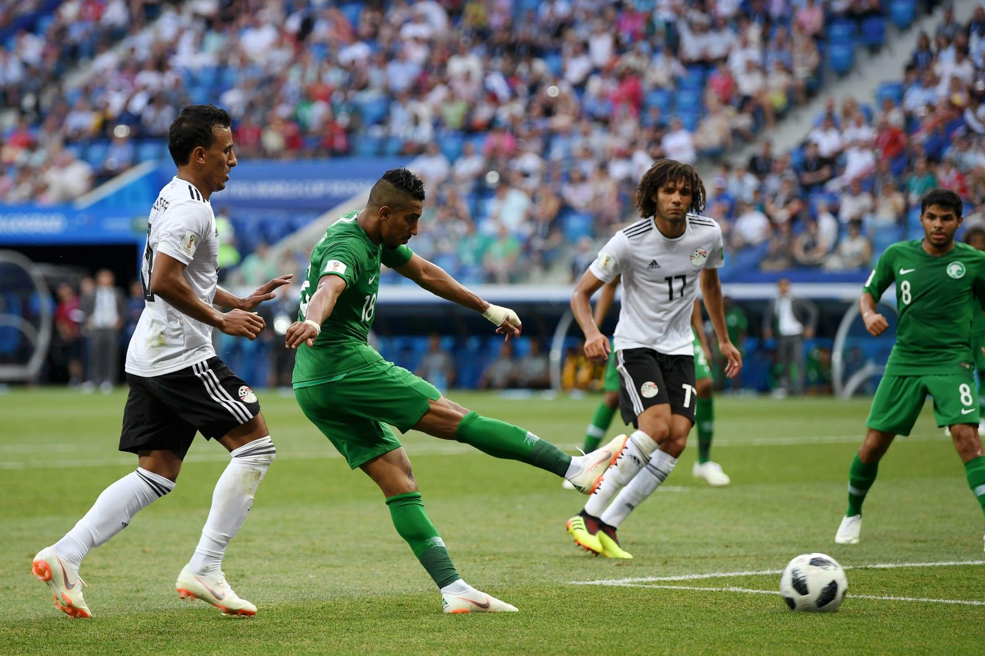 السعودية تقلب الطاولة على مصر وتحقق الفوز الأول في المونديال منذ 1994