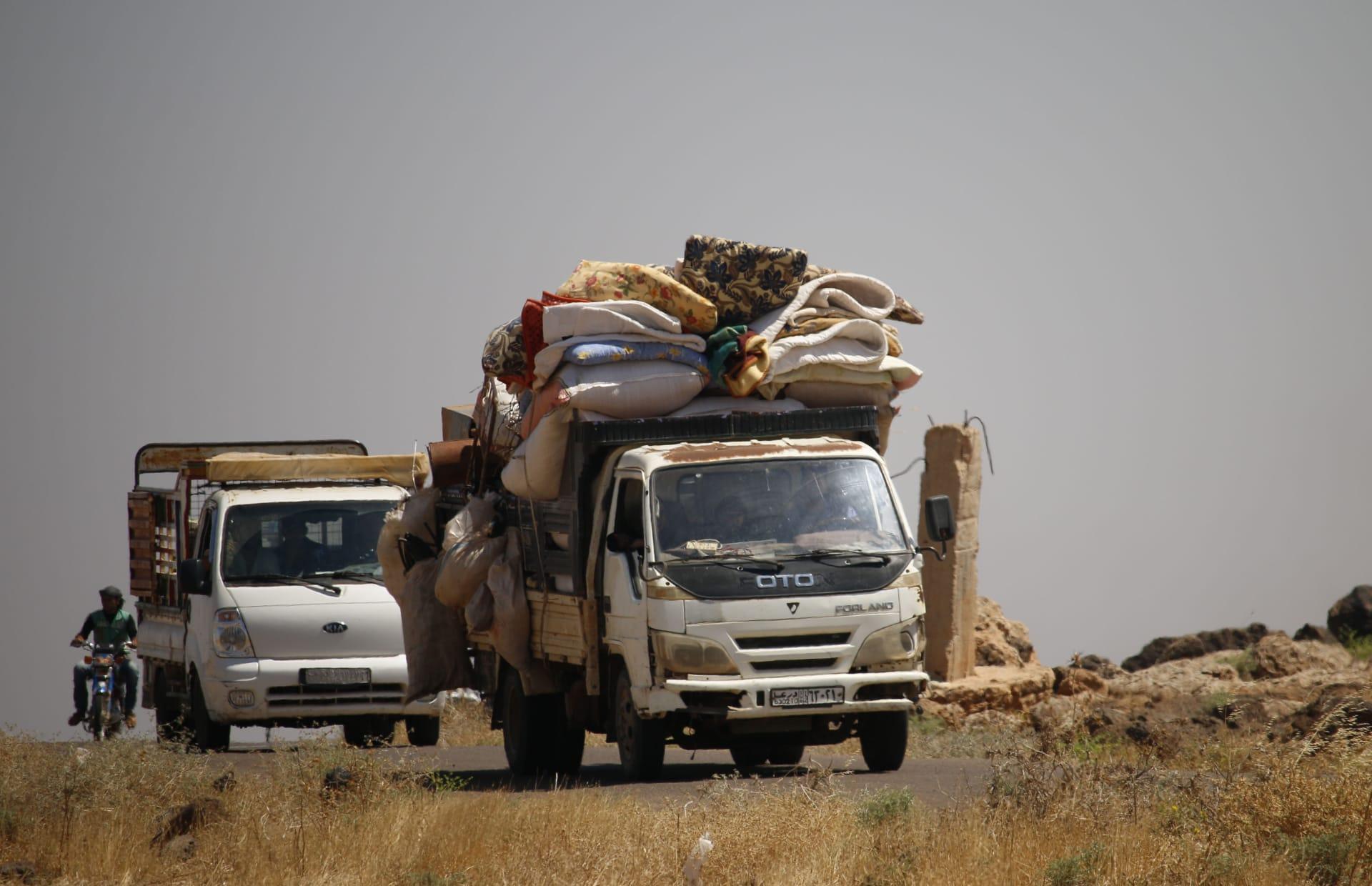 نزوج عشرات آلاف السوريين في ظل التصعيد العسكري بالجنوب