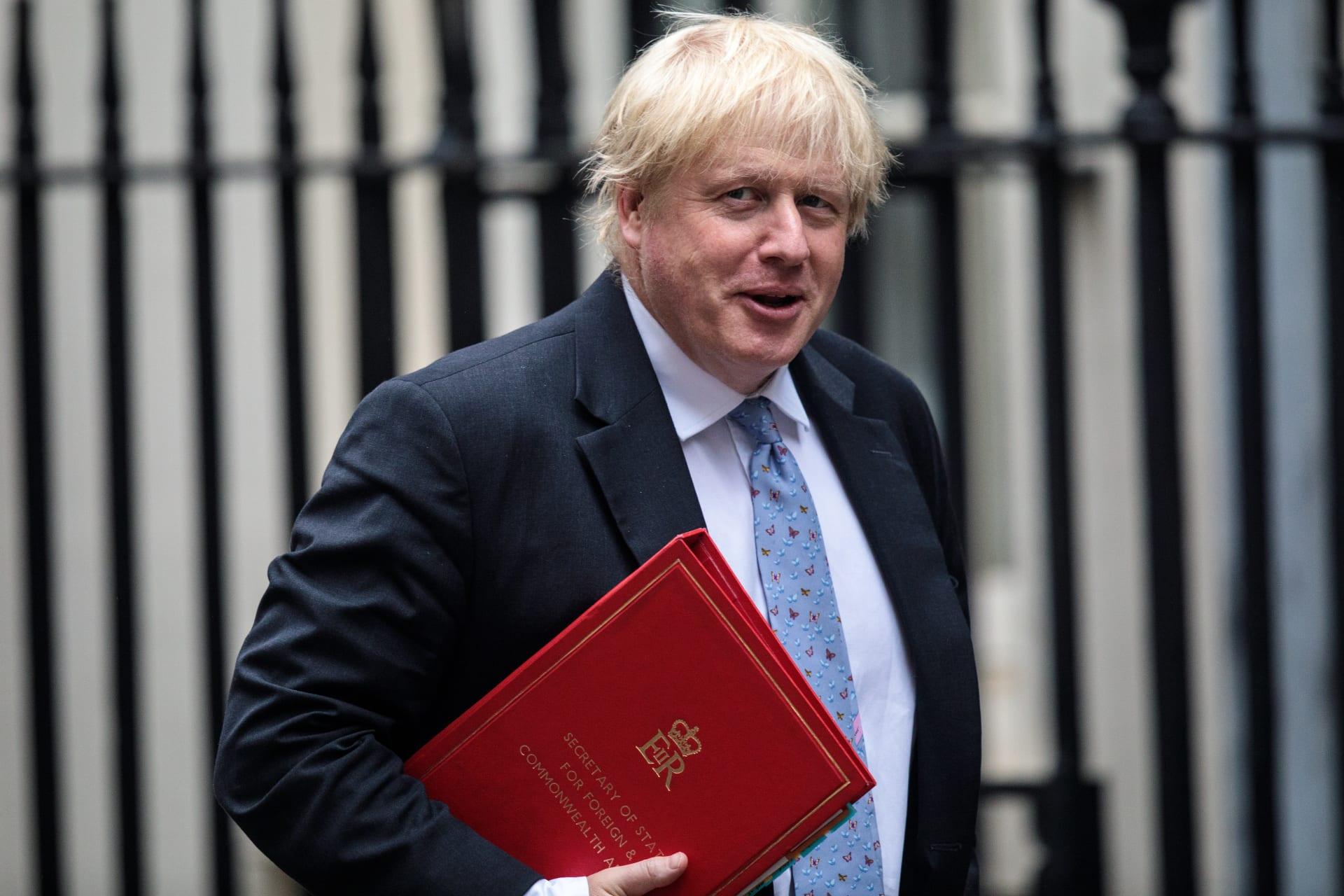 تيريزا ماي تقبل استقالة وزير الخارجية بوريس جونسون.. والإسترليني يتراجع
