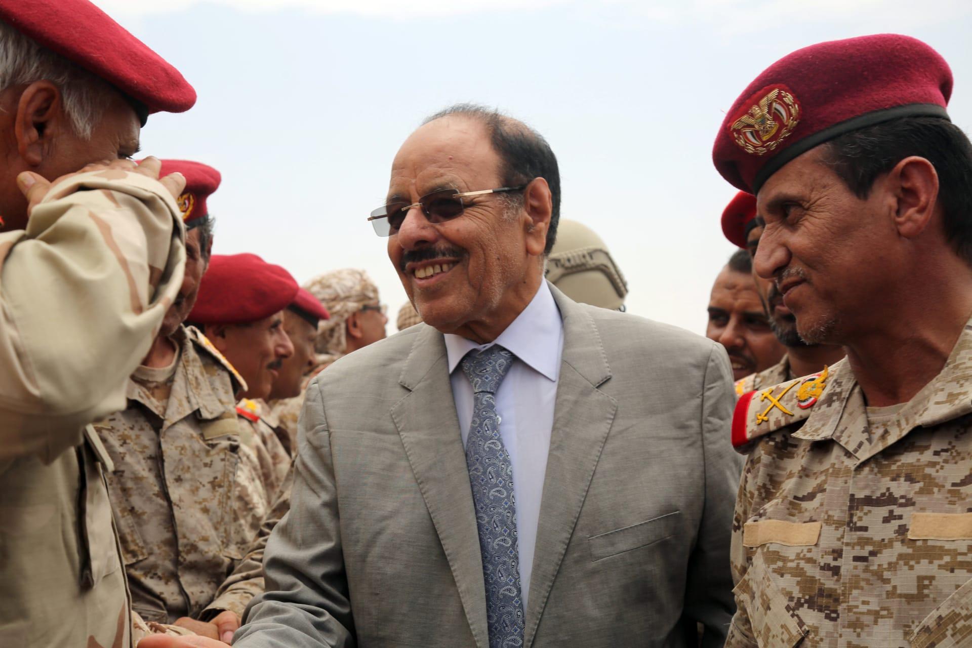 """علي محسن الأحمر: المؤسسة العسكرية أمل اليمنيين بـ""""دحر"""" مشروع إيران"""