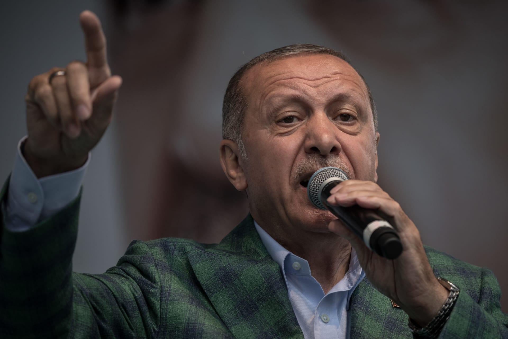 تركيا تواصل الاقتراض وتلجأ إلى اليورو