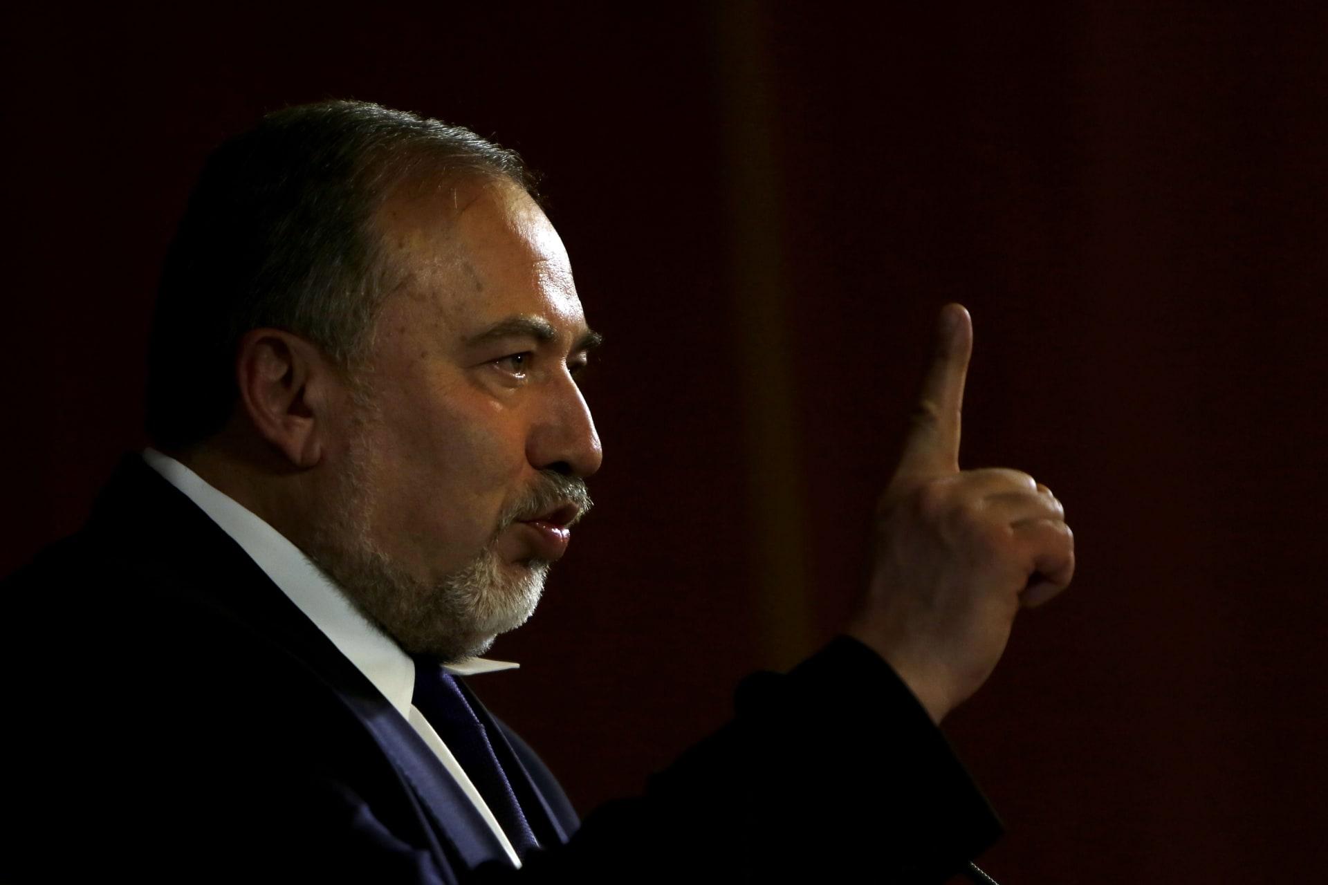 ليبرمان: إسرائيل ليست معنية بالاحتكاك مع روسيا