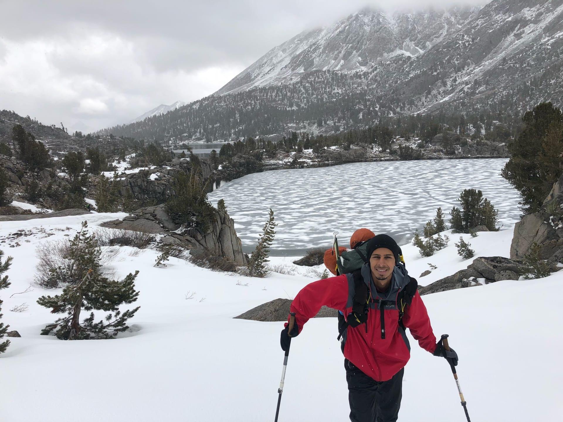 سعودي يمشي 4 آلاف كيلومتر من المكسيك إلى كندا