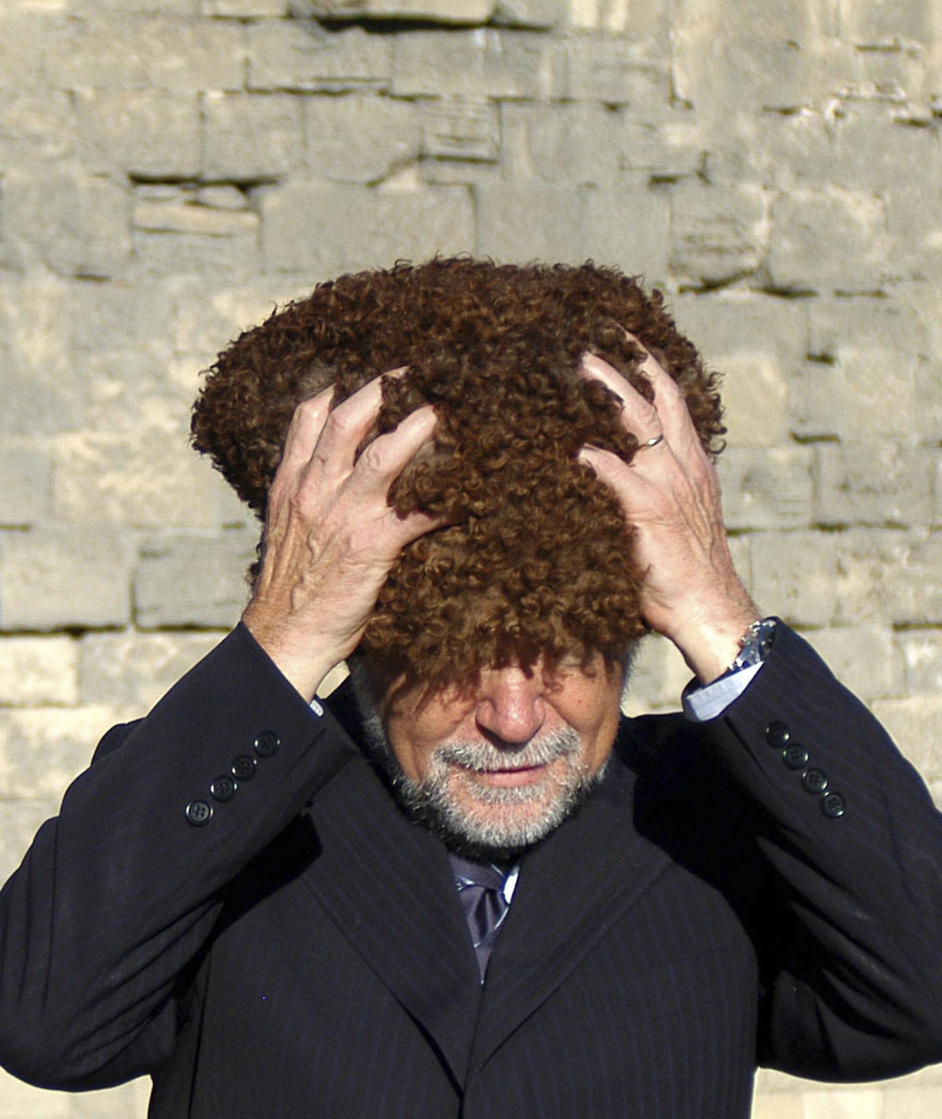 """الرجل ليس رجلاً بدون قبعة """"باباك"""" التقليدية بأذربيجان.. لماذا؟"""