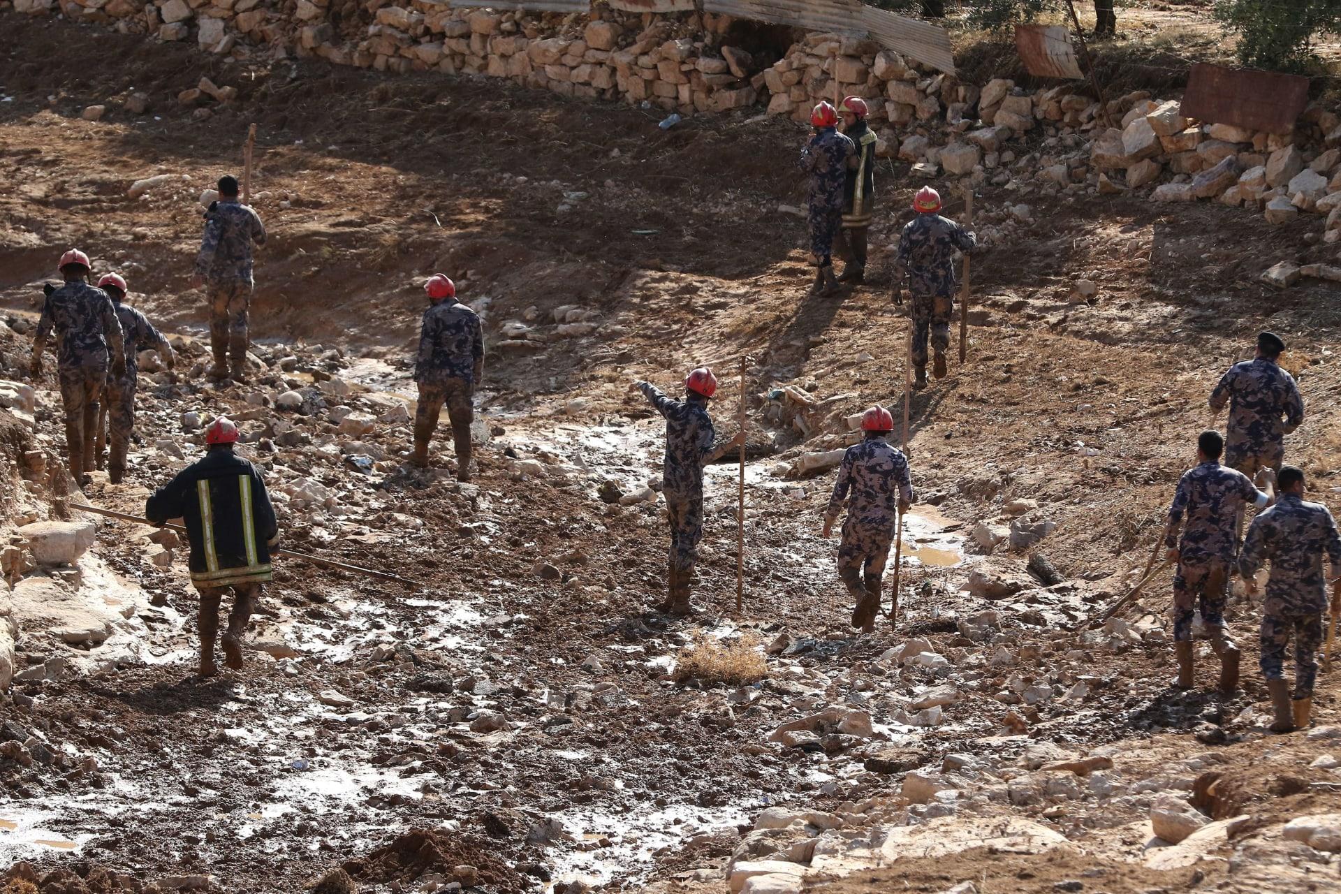دبي ترسل شحنة ثالثة من المساعدة الإنسانية لإغاثة المتضررين من سيول الأردن