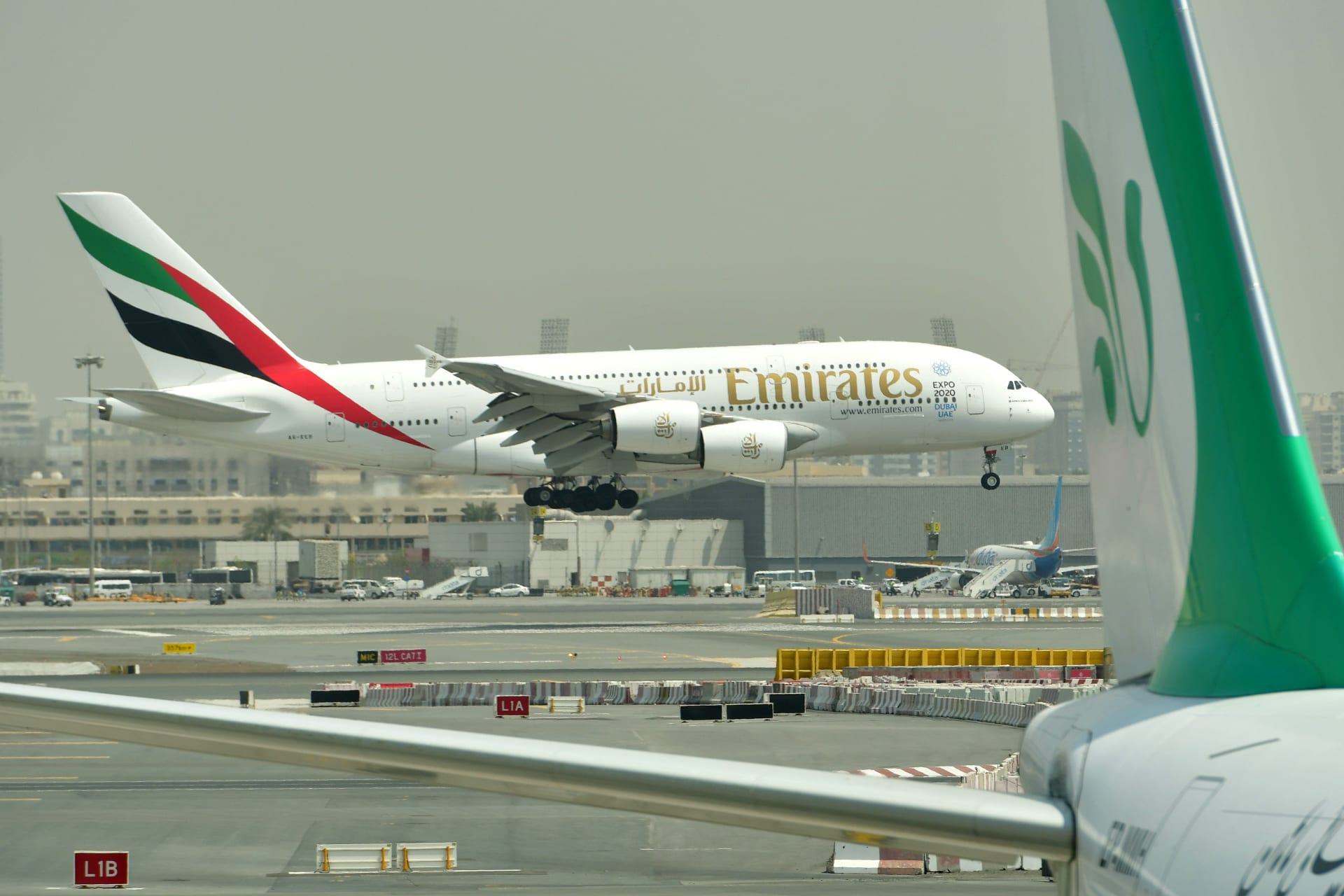 """تراجع أرباح """"طيران الإمارات"""" لهذه الأسباب"""