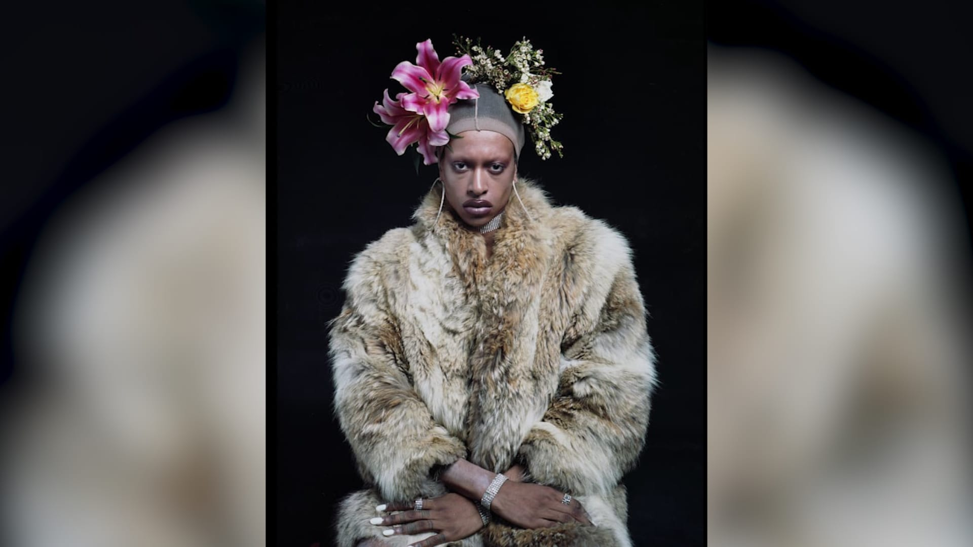 الفوتوغرافي فلوريان يوهان يتحدى فكرة الذكورية والرجولية في صوره
