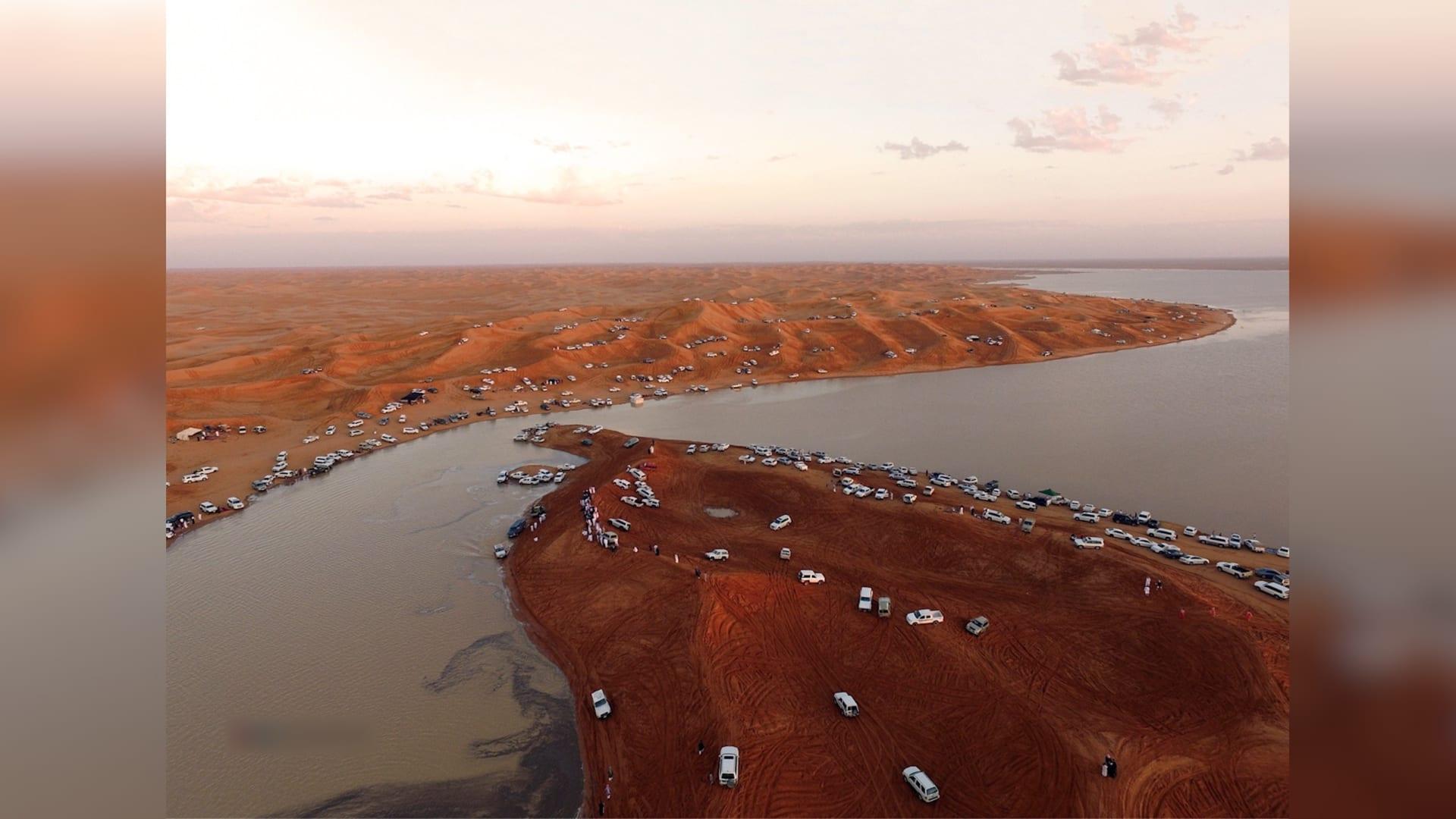 من صحراء قاحلة إلى بحيرات وجزر صغيرة في السعودية.. إليك الصور