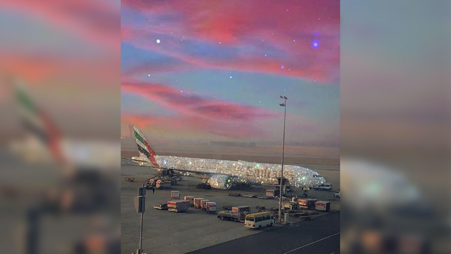 ما حقيقة صورة هذه الطائرة الإماراتية المرصعّة بالألماس؟