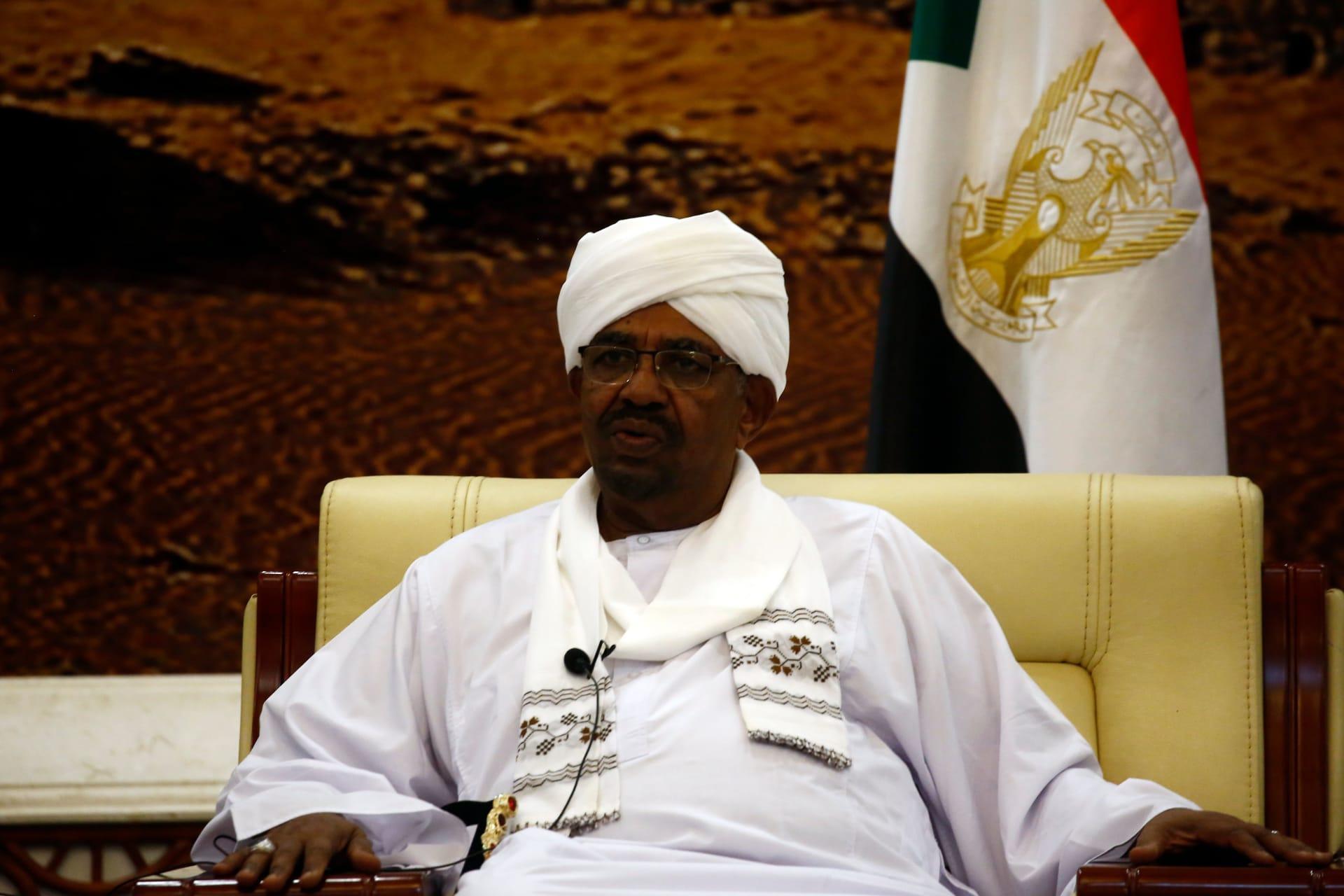 الرئيس السوداني يلغي جميع مهرجانات السياحة والتسوق..فما السبب؟