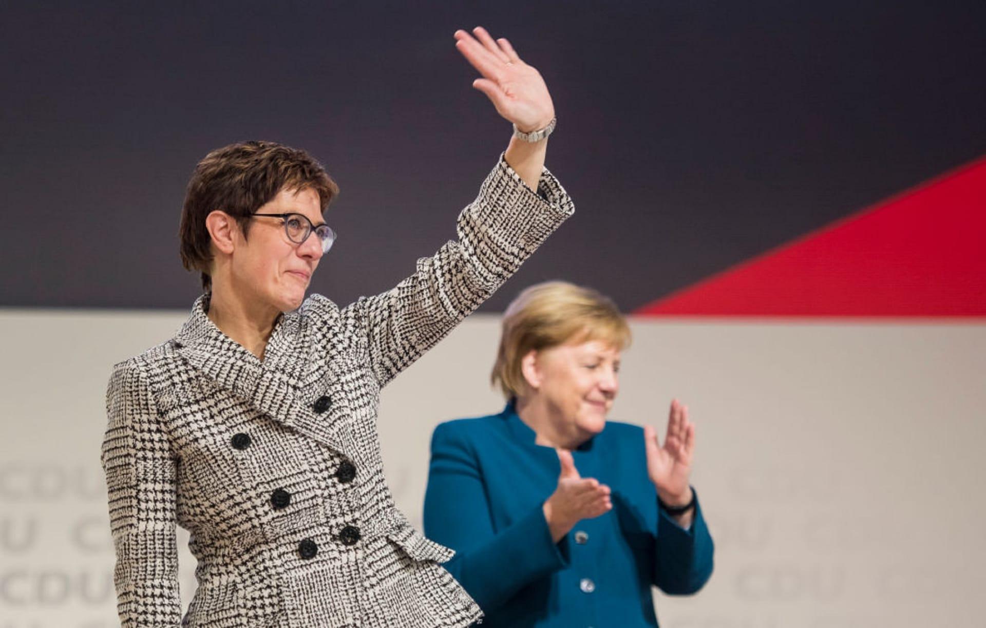 انتخاب كارينباور زعيمة لحزب ميركل في ألمانيا