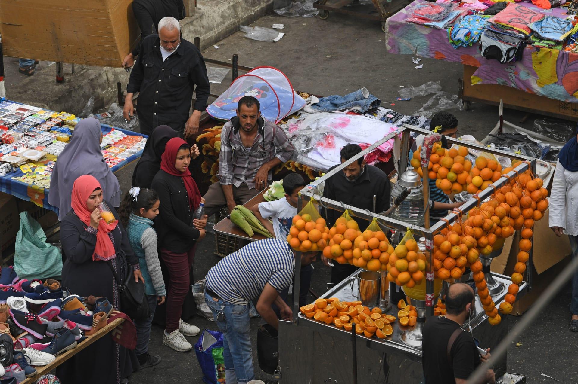 التضخم يتراجع في مصر لأول مرة منذ 4 أشهر..ومحللان يشرحان لـCNN