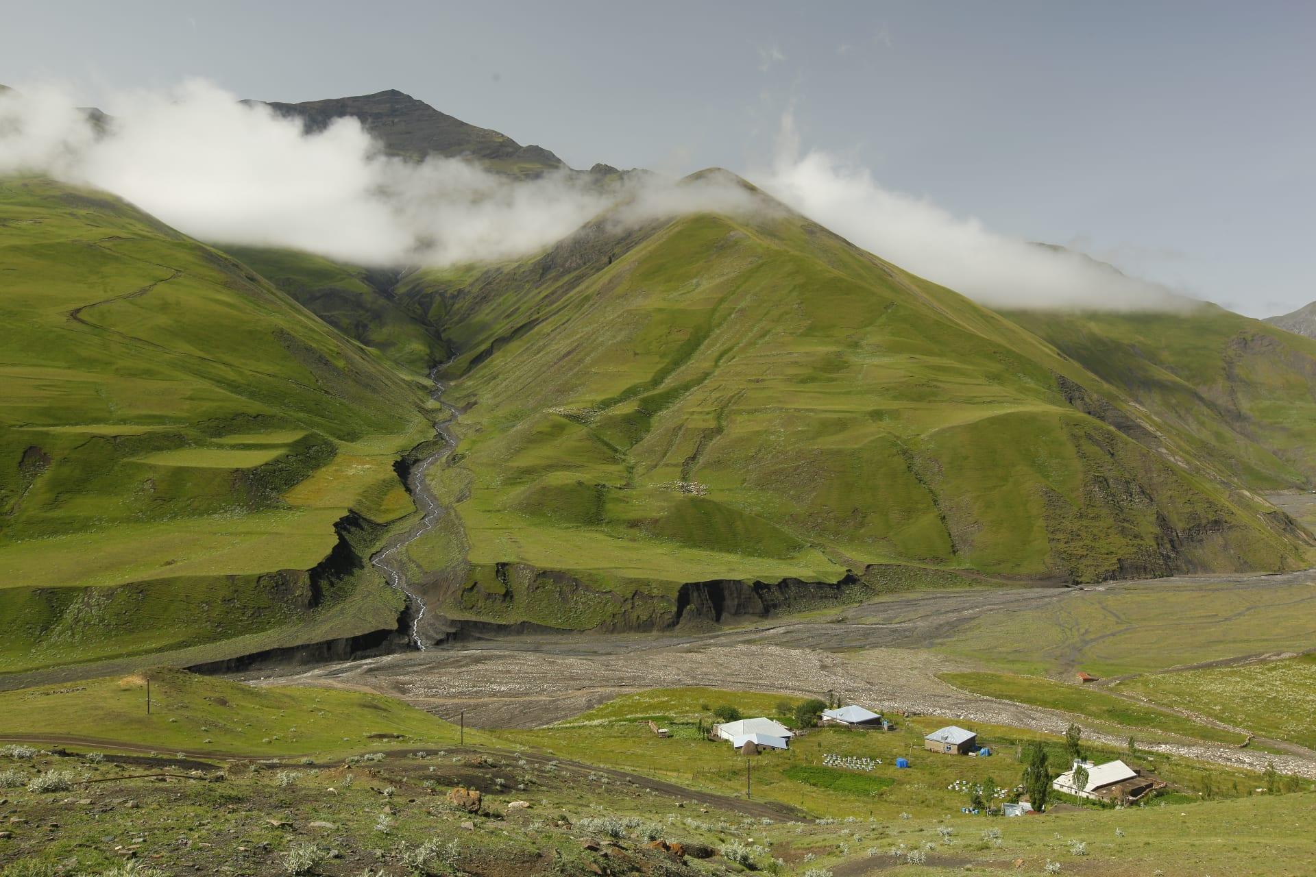 ما هي أبرز الأساطير في أذربيجان؟