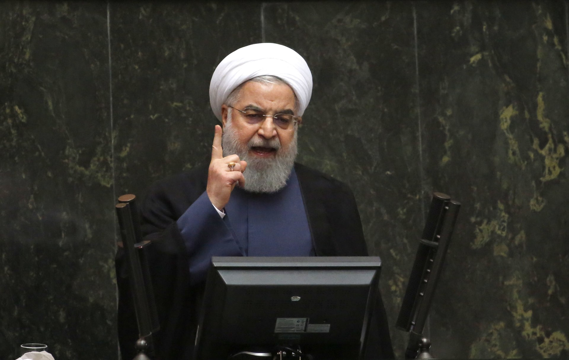 روحاني: نواجه مشكلة بالتبادل المصرفي الخارجي والعملة الصعبة