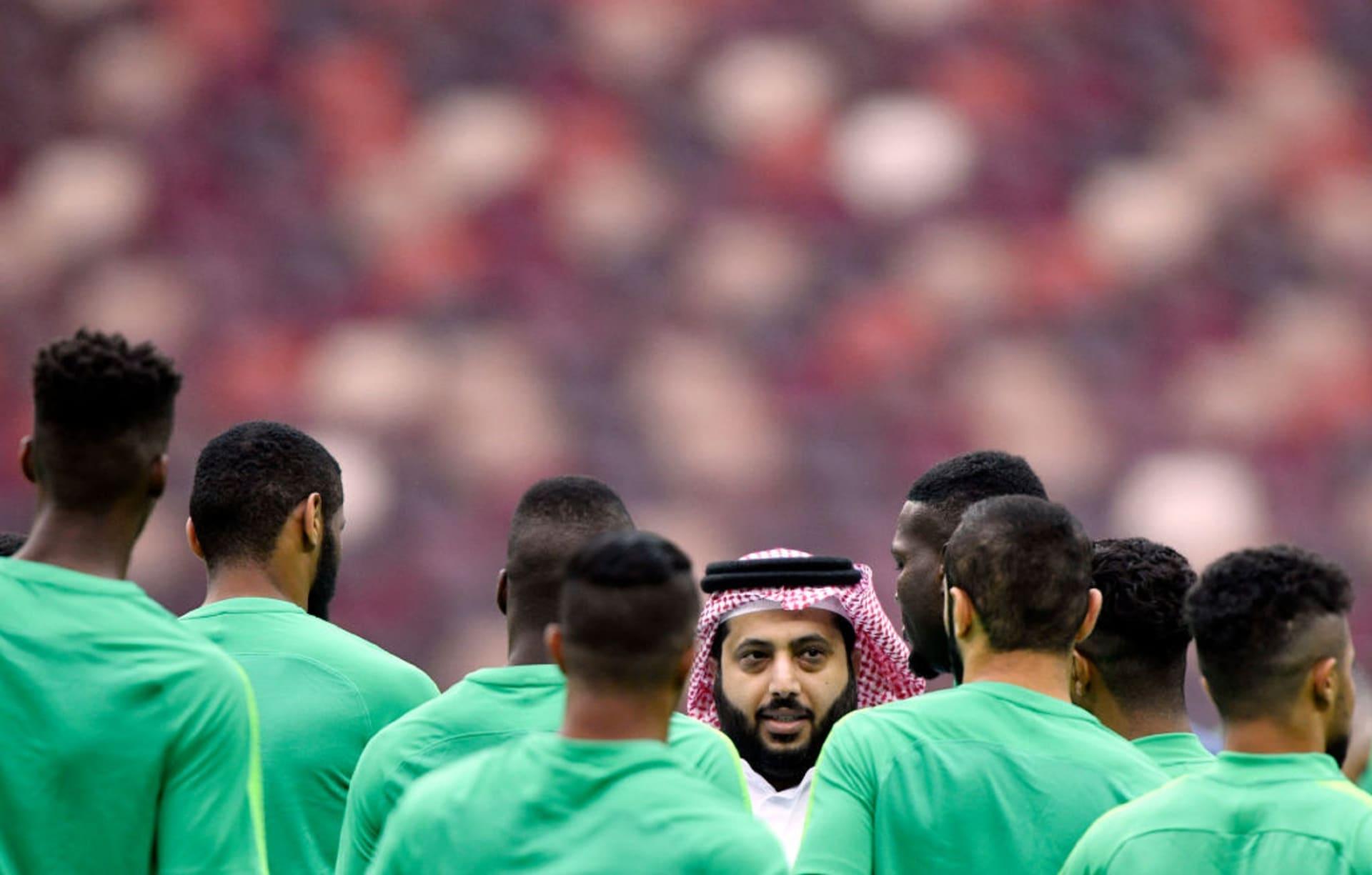 بـ8 تغريدات.. تعليق تركي آل الشيخ بعد إعفائه من منصبه وتوليه آخر جديد