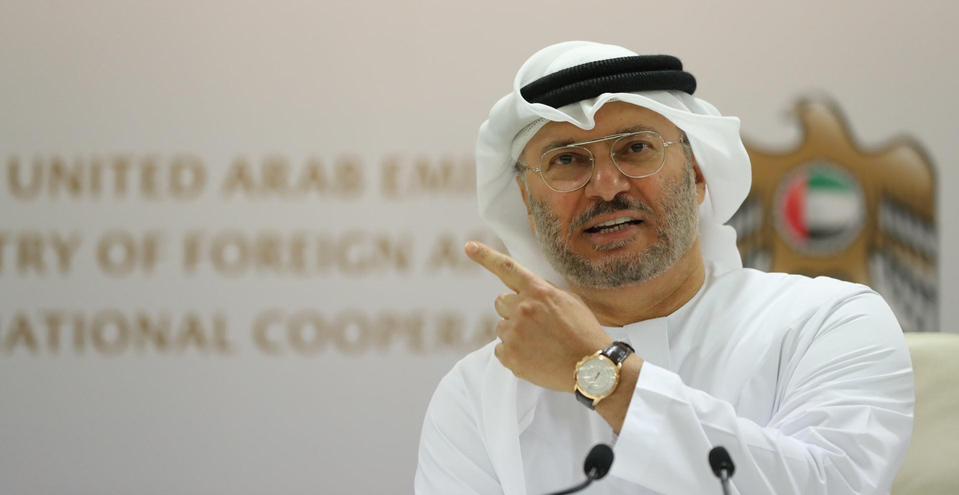"""قرقاش يدعو العراق إلى احترام سيادة البحرين بعد """"سابقة خطيرة"""""""