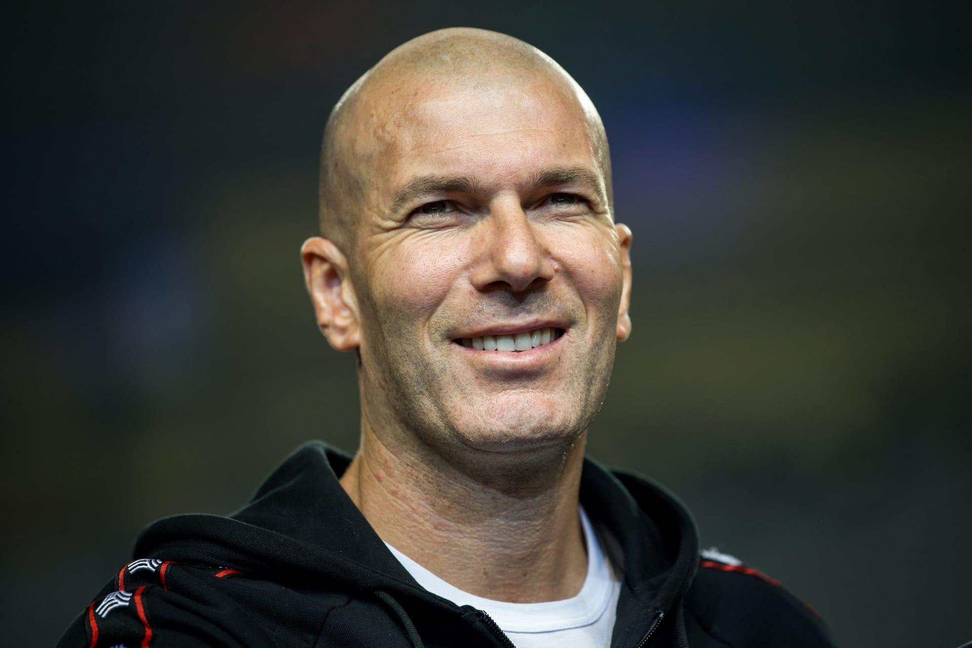 بعيداً عن كرة القدم.. ماذا فعل مدرب ريال مدريد الأسبق بدبي؟