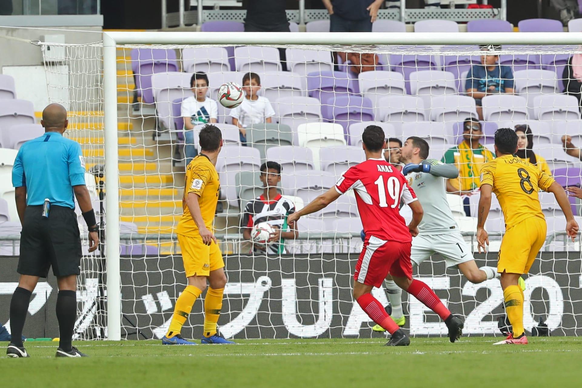 الأردن يبدأ مشواره في كأس آسيا بالفوز على حامل اللقب