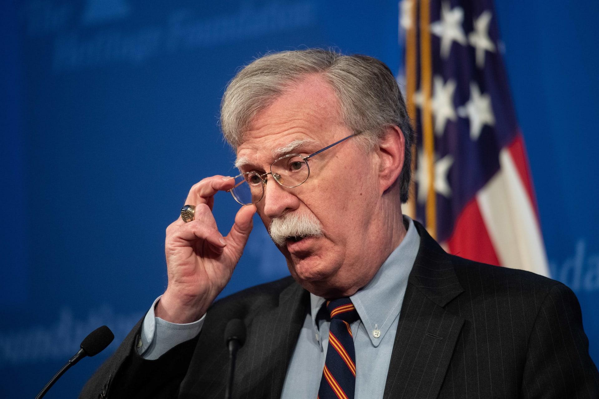 بولتون يطالب بعدم استهداف أكراد سوريا.. وتركيا: ادعاءات لا يتقبلها عقل
