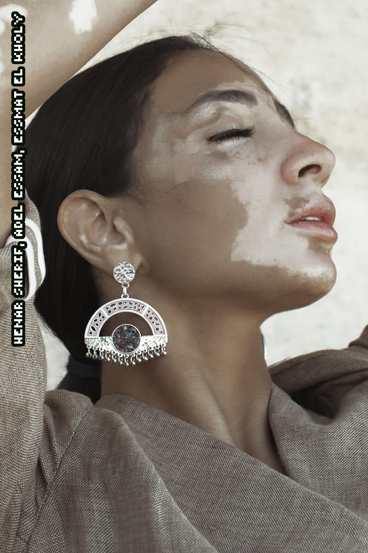 """عارضات """"متمردات"""" يتحدين المجتمع بهذه العلامة المصرية للمجوهرات"""