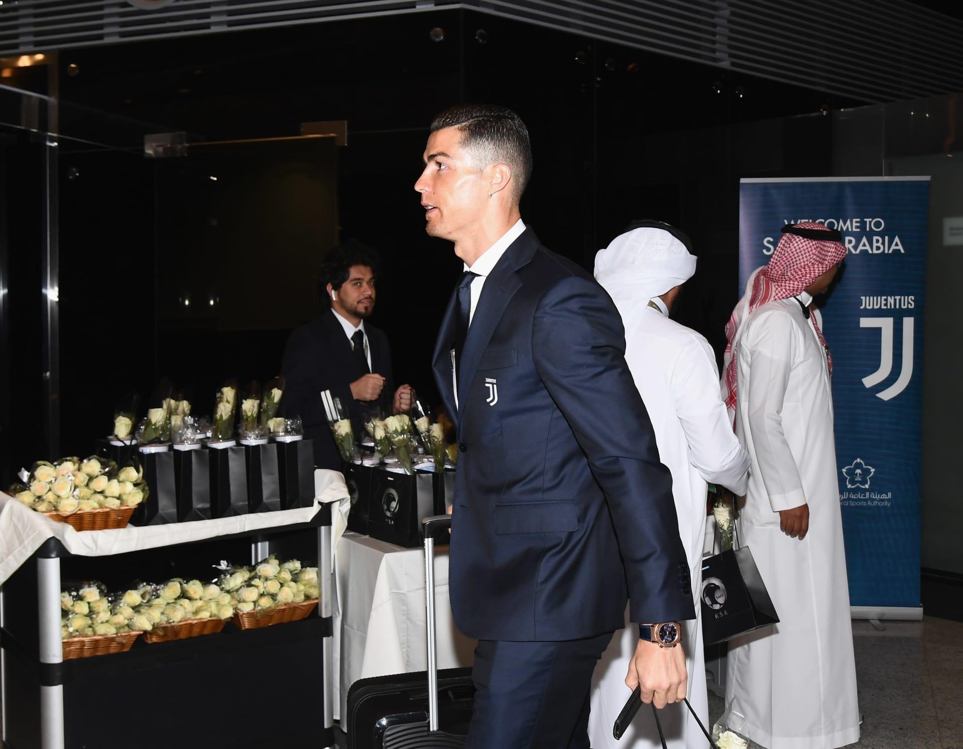 اللقطات الأولى لوصول كريستيانو رونالدو إلى السعودية