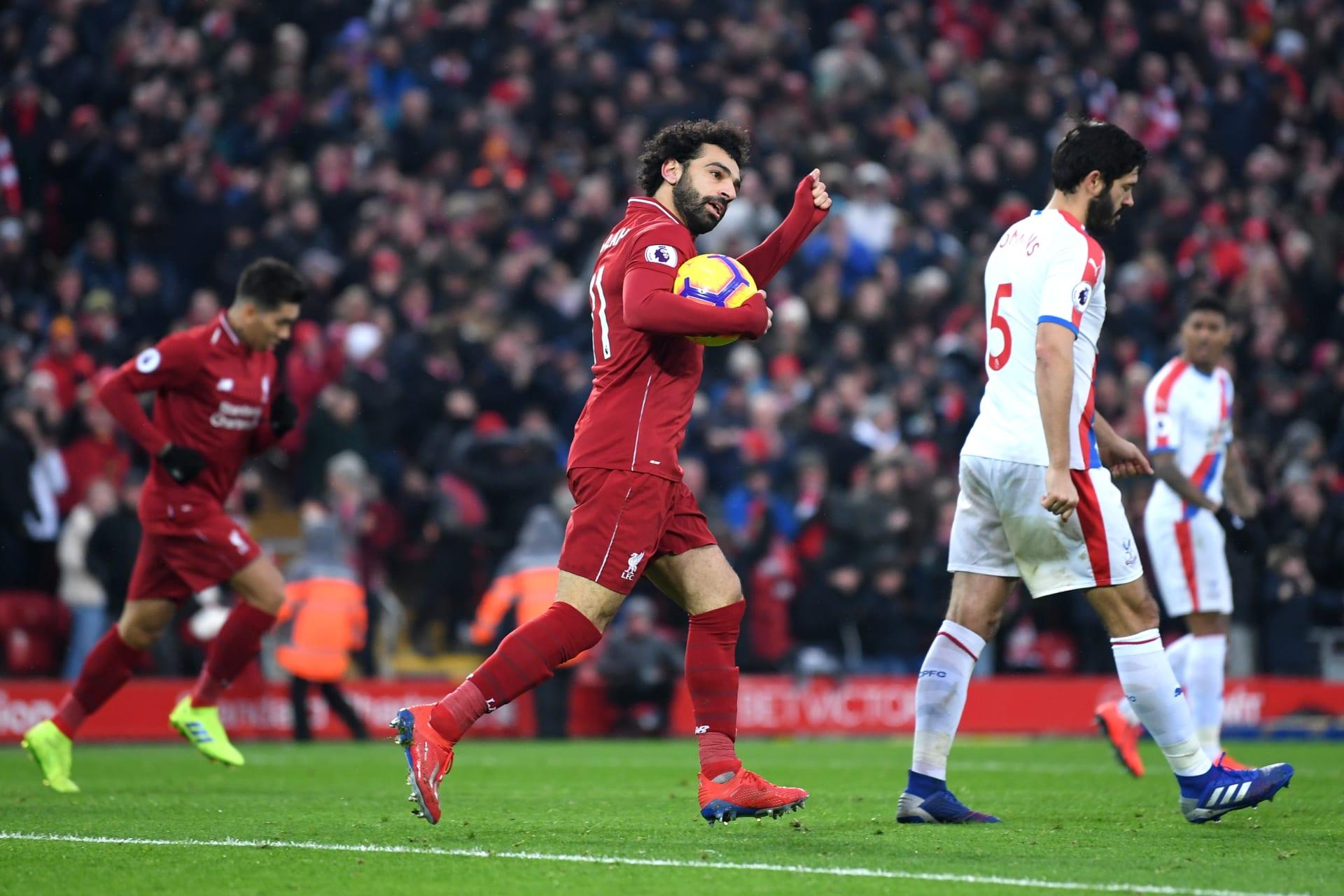"""إنجاز تاريخي جديد لمحمد صلاح.. """"الفرعون"""" يقود ليفربول لفوز صعب على كريستال"""