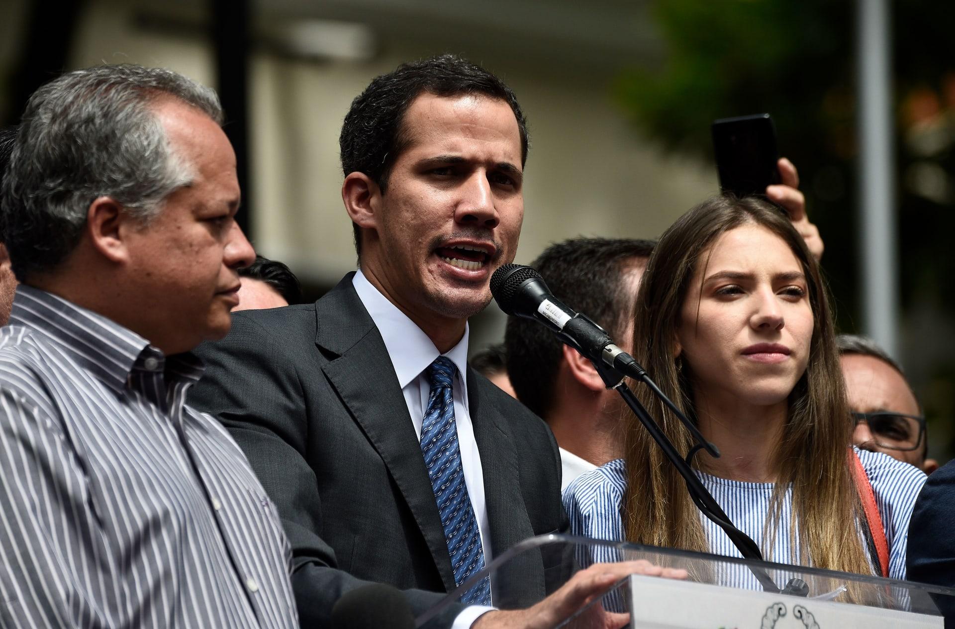 """رئيس فنزويلا """"المنصّب ذاتيا"""" للجيش: ستواجهون اختبارا هاما بالأيام المقبلة"""
