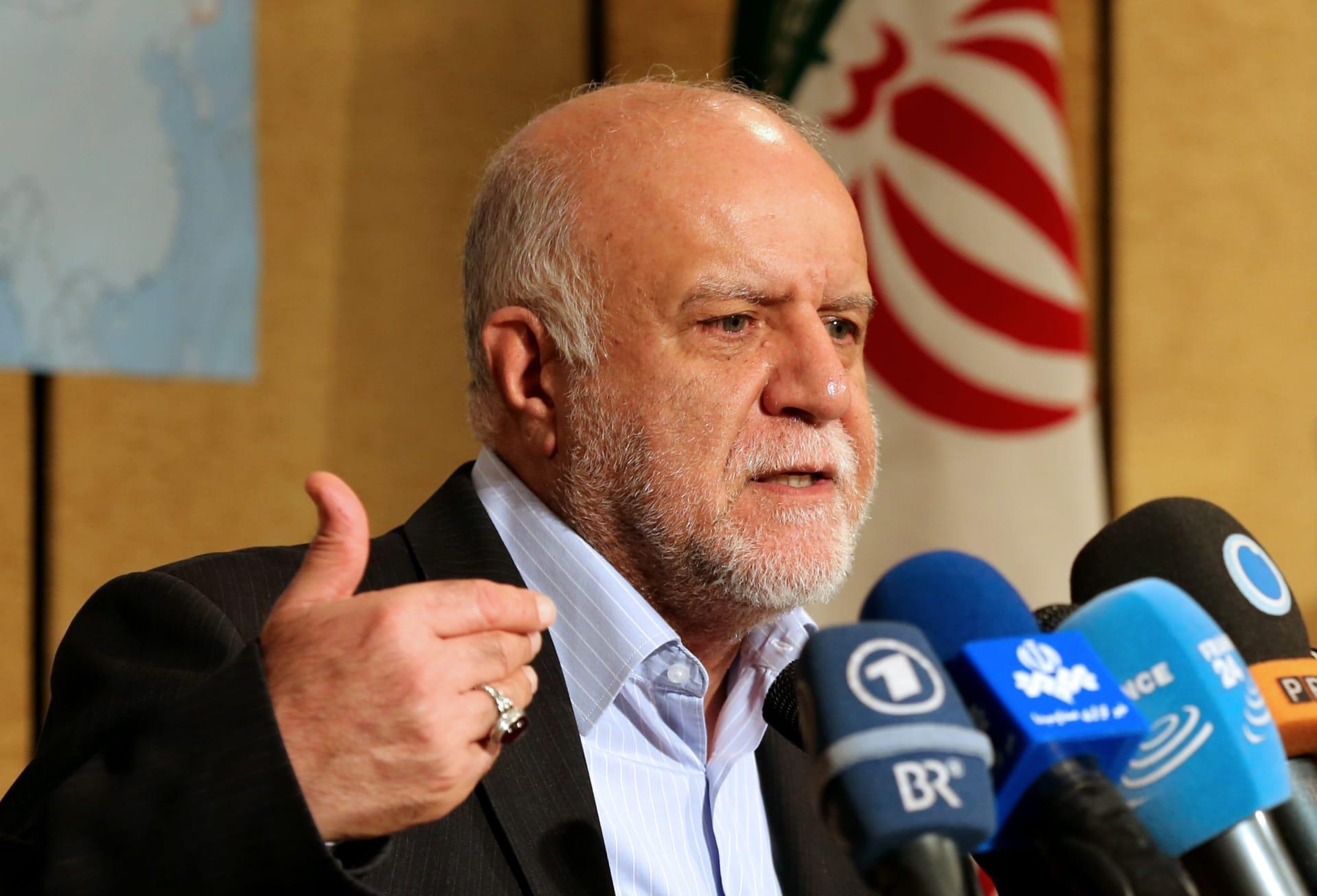 """وزير النفط الإيراني: خطة """"تقنين"""" البنزين تخصص ليترا واحدا يوميا للفرد"""