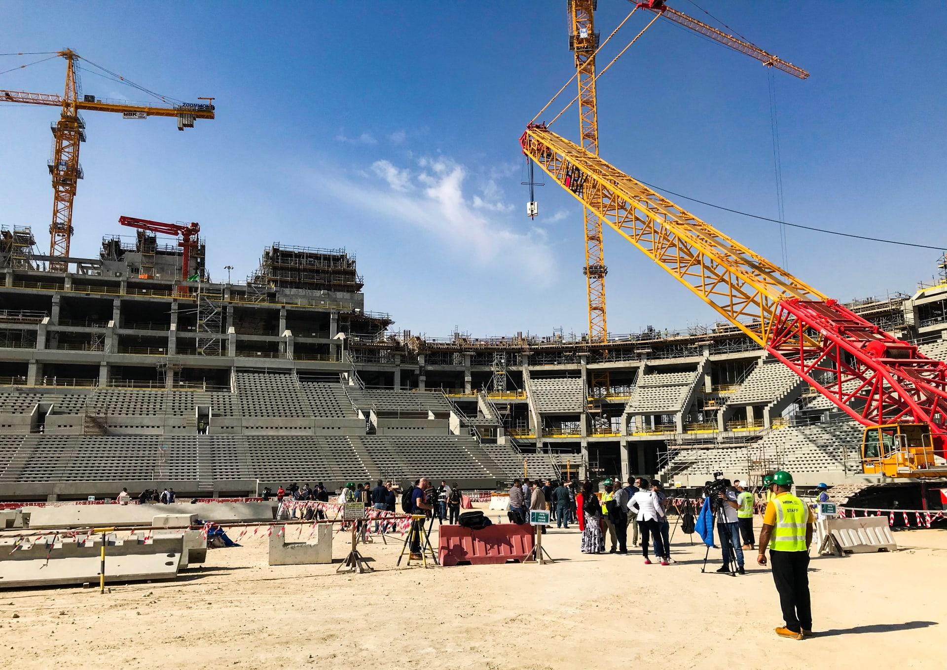 العفو الدولية تطالب قطر بتنفيذ وعود التصدي لاستغلال العمال قبل كأس العالم
