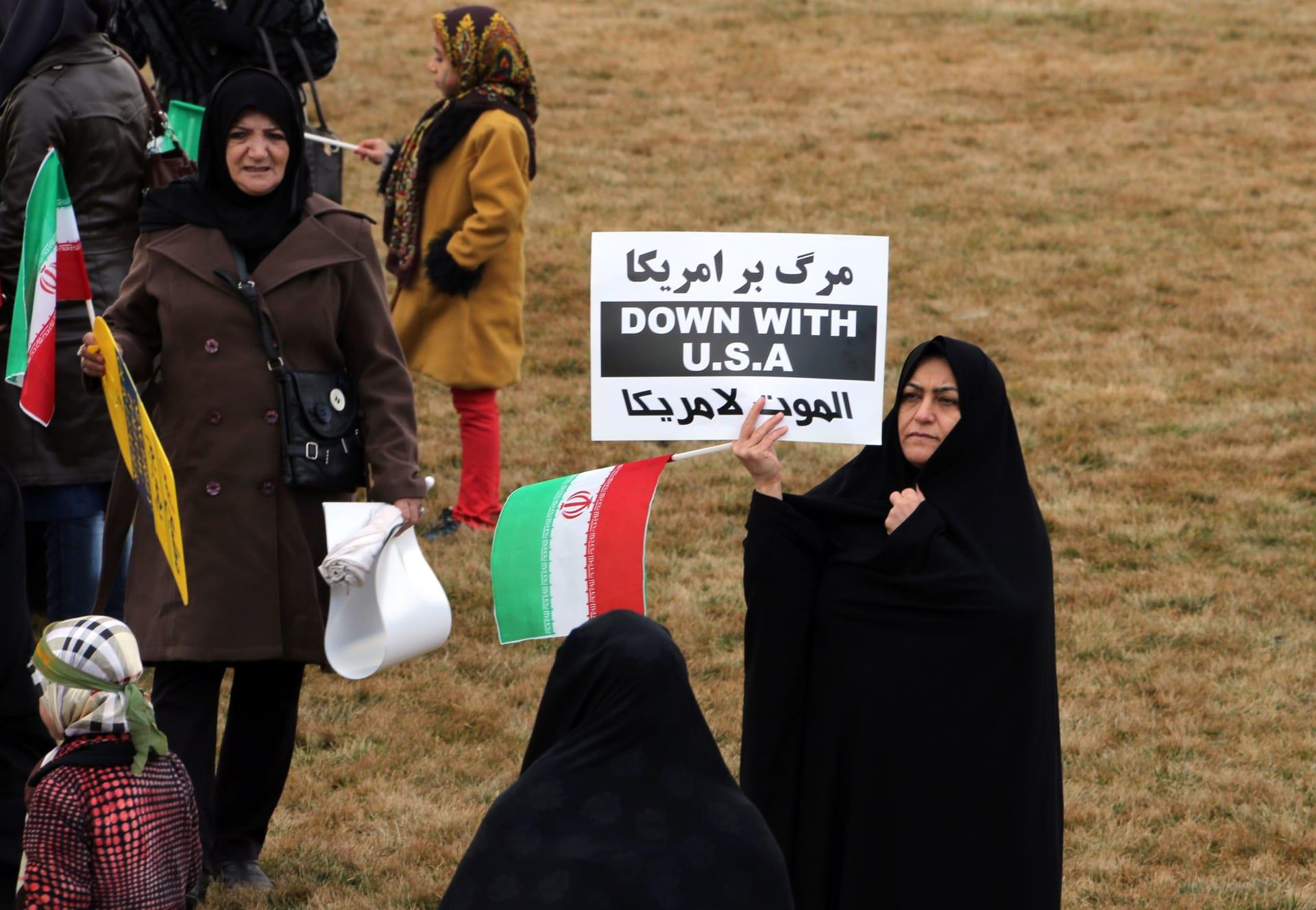 خامنئي: واشنطن تسيطر على مصير السعودية.. وهذا ما نقصده بالموت لأمريكا
