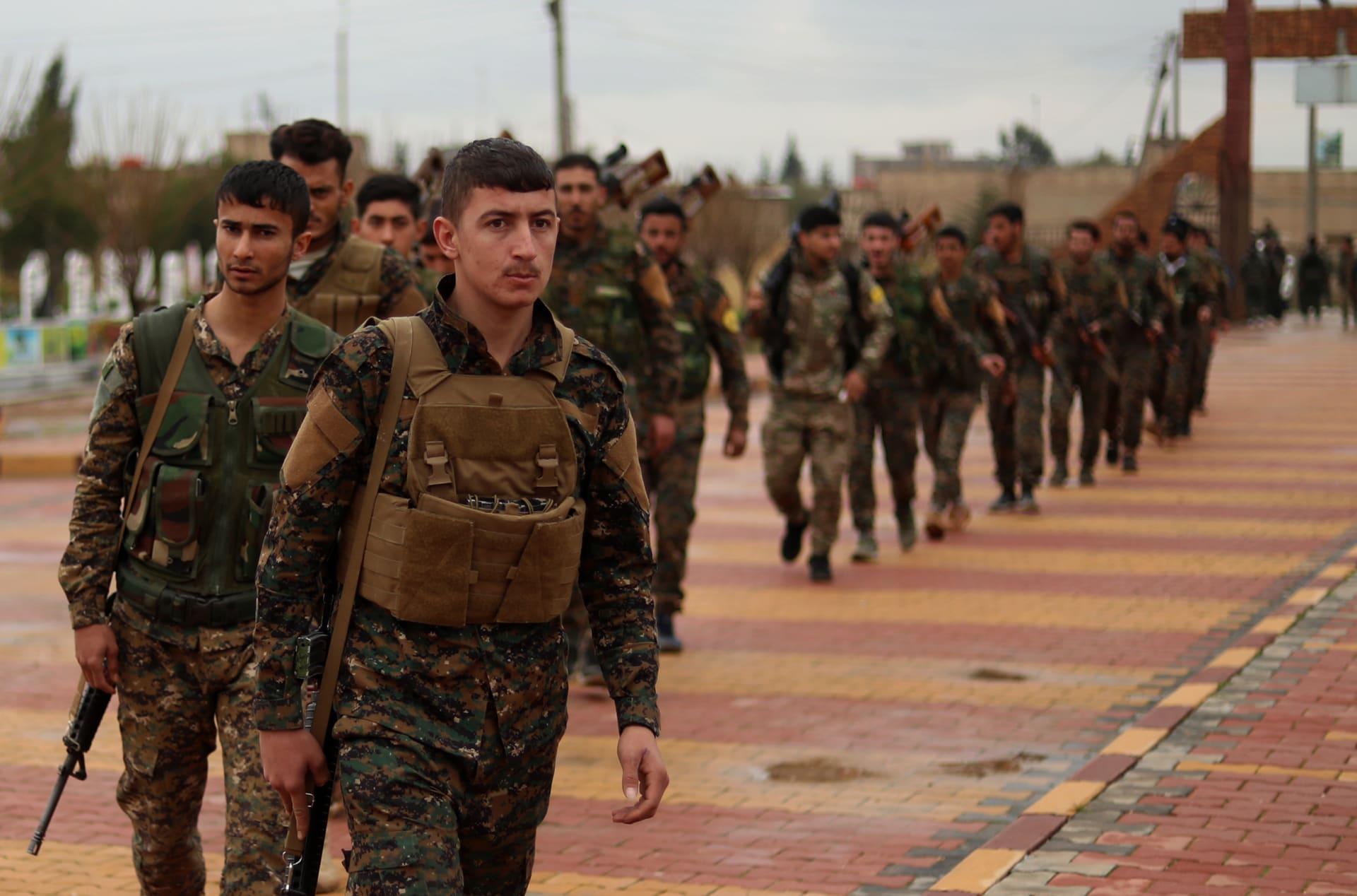 """بتغطية حصرية.. CNN على خط المواجهة بمعركة القضاء على """"كيان"""" داعش في سوريا"""