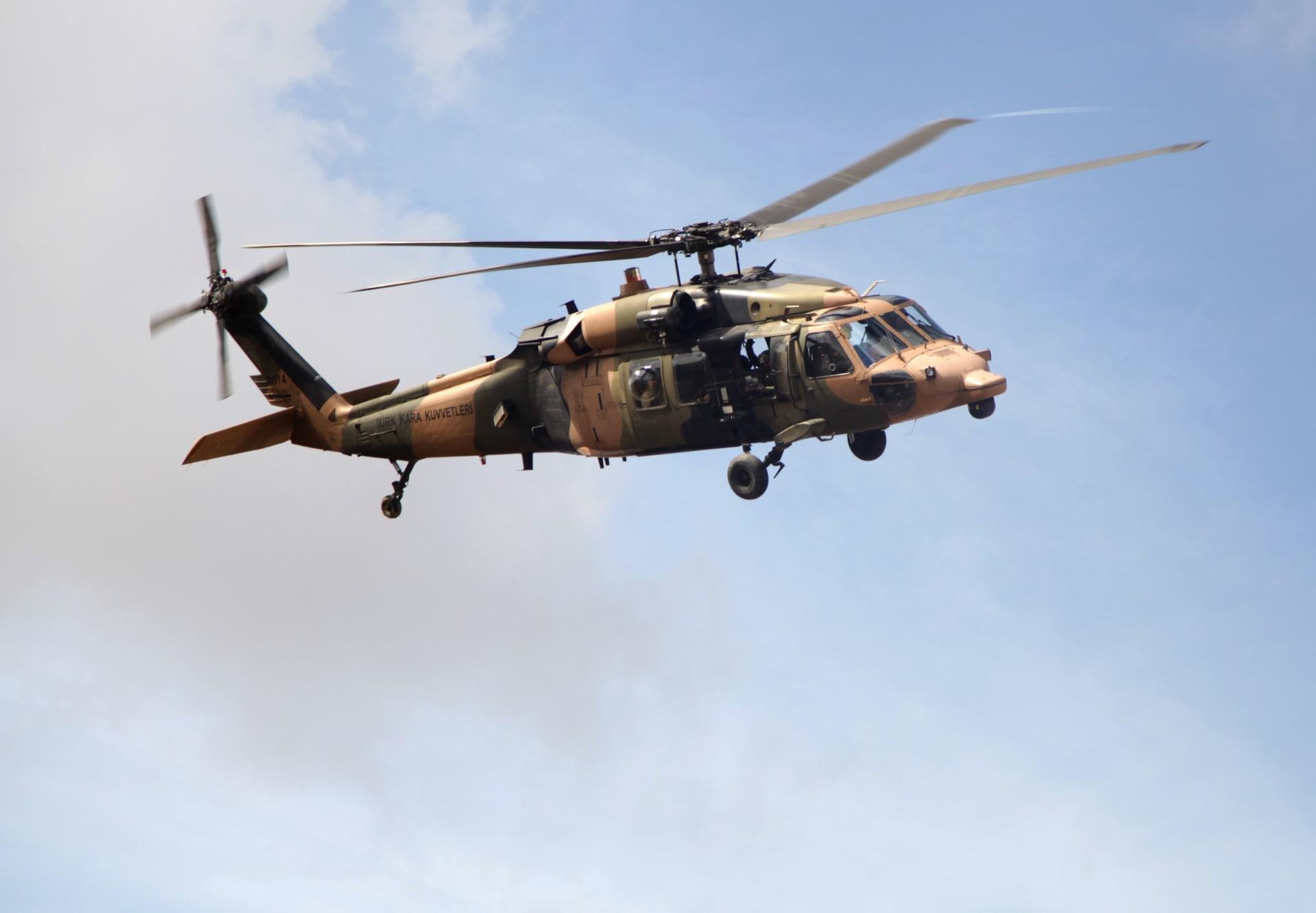 الأناضول: سقوط مروحية عسكرية تركية أثناء هبوطها اضطراريا