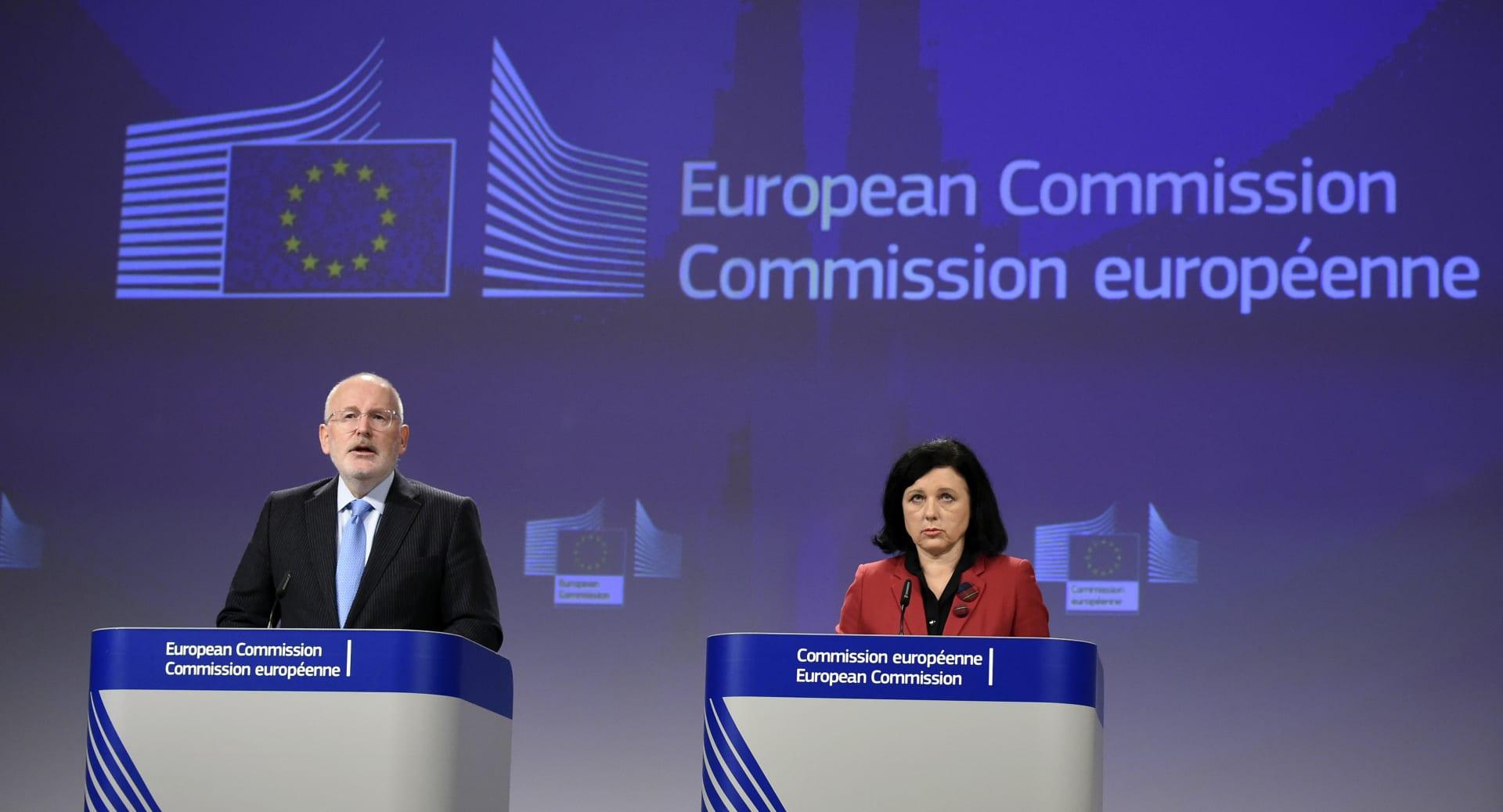 أوروبا تقترح إضافة السعودية لقائمة غسل الأموال.. وانتقادات أمريكية