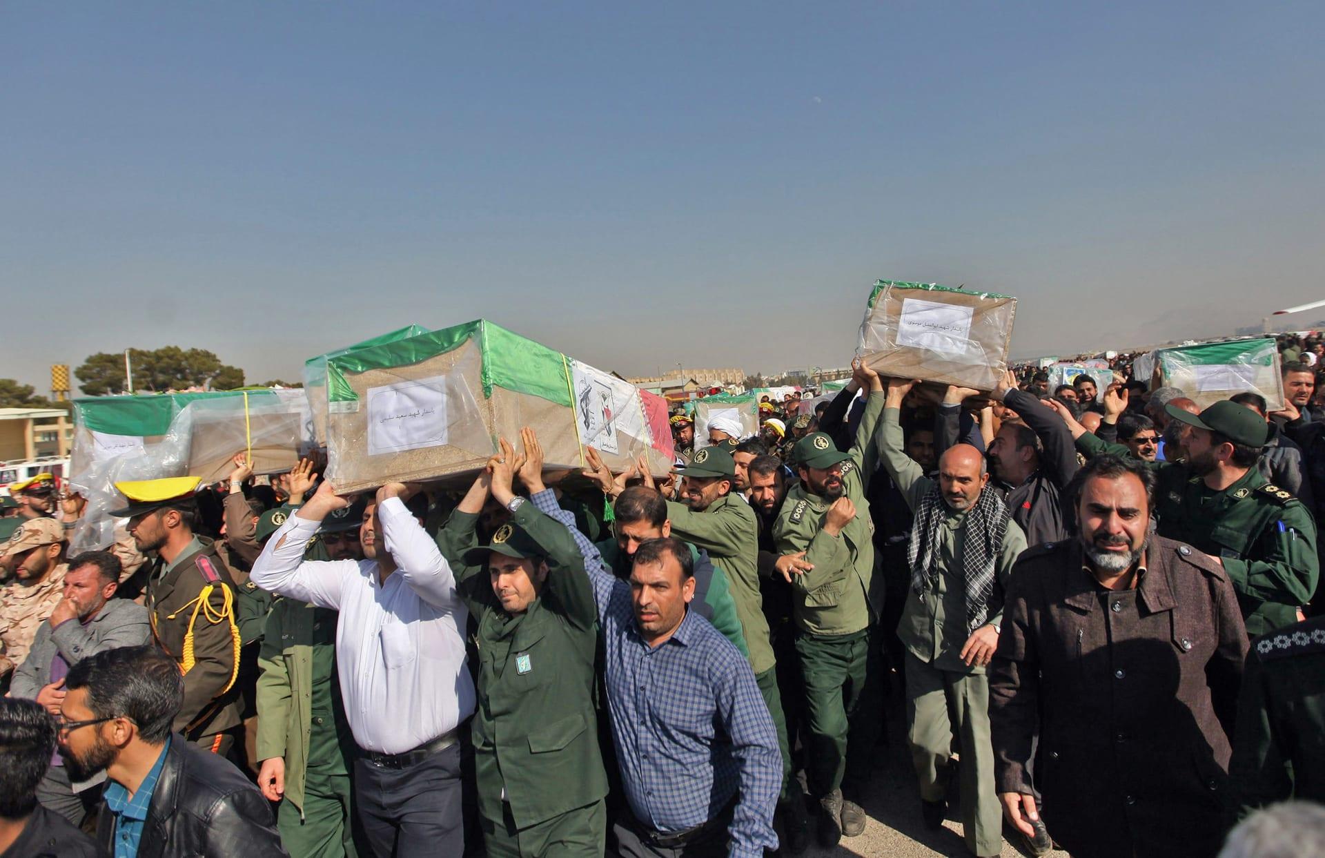 إيران تتهم بعض دول المنطقة الغنية بالنفط بالوقوف وراء تفجير الحرس الثوري
