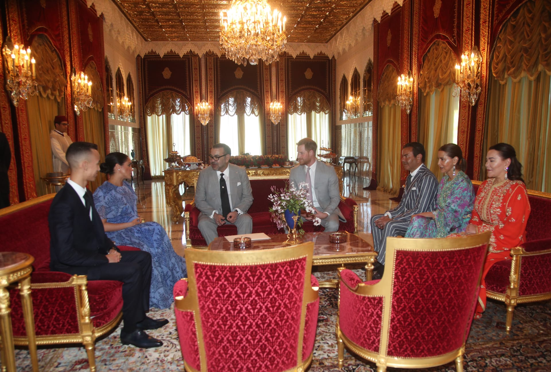 بحفل شاي ملكي.. هكذا اختتم الأمير هاري وميغان جولتهما بالمغرب