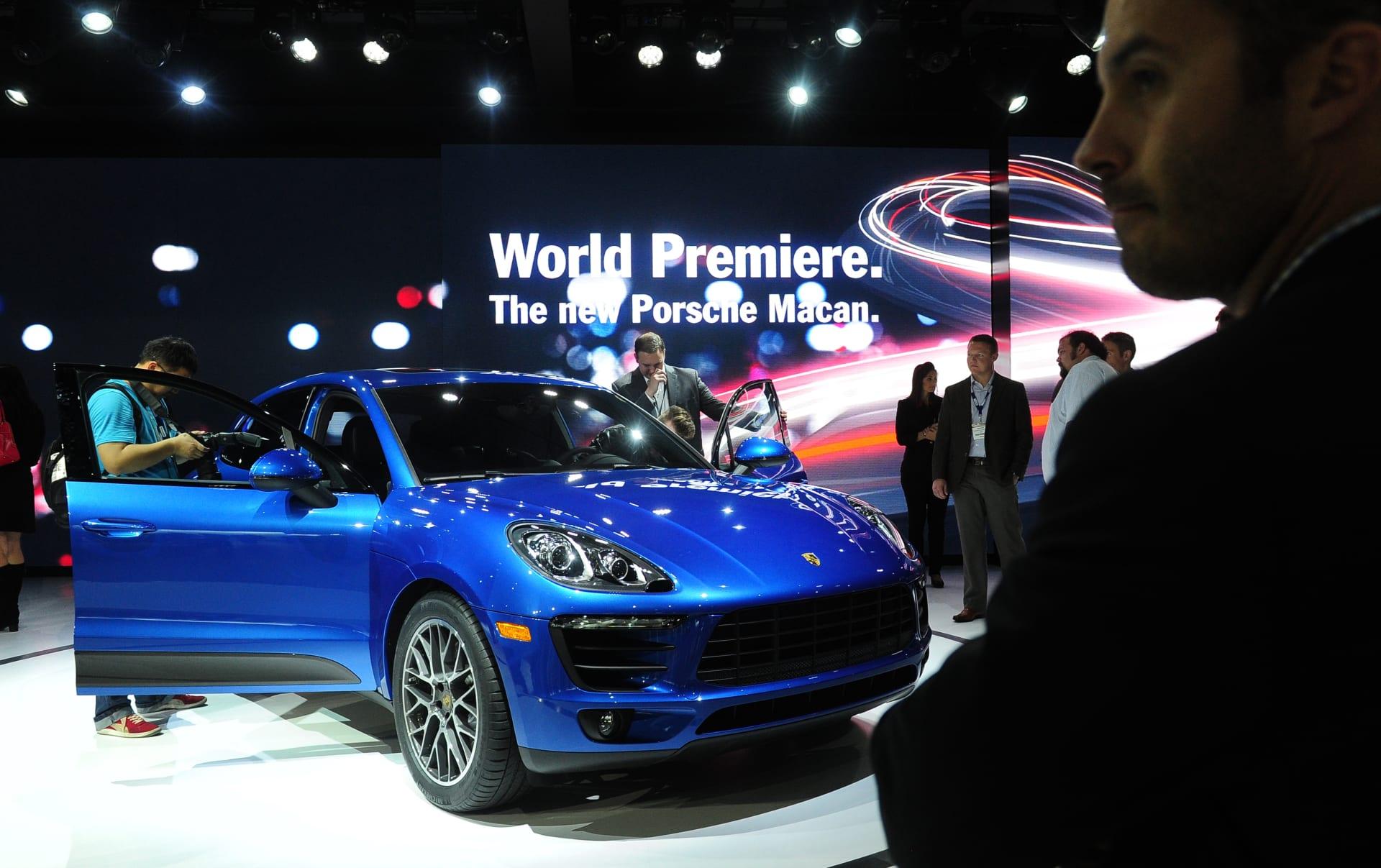 """""""بورشه"""" تخطط لإنتاج نسخة مكهربة من سيارتها الأكثر شعبية """"ماكان SUV"""""""