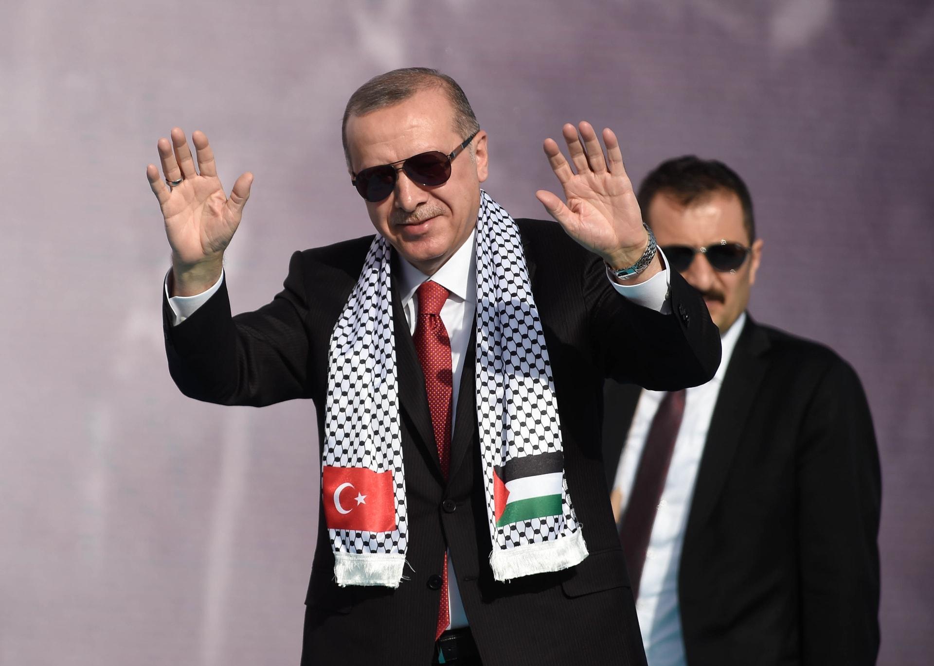 """وصفت أردوغان بـ""""الشيطان"""".. الحزب التركي الحاكم يرد على مجلة مصرية"""