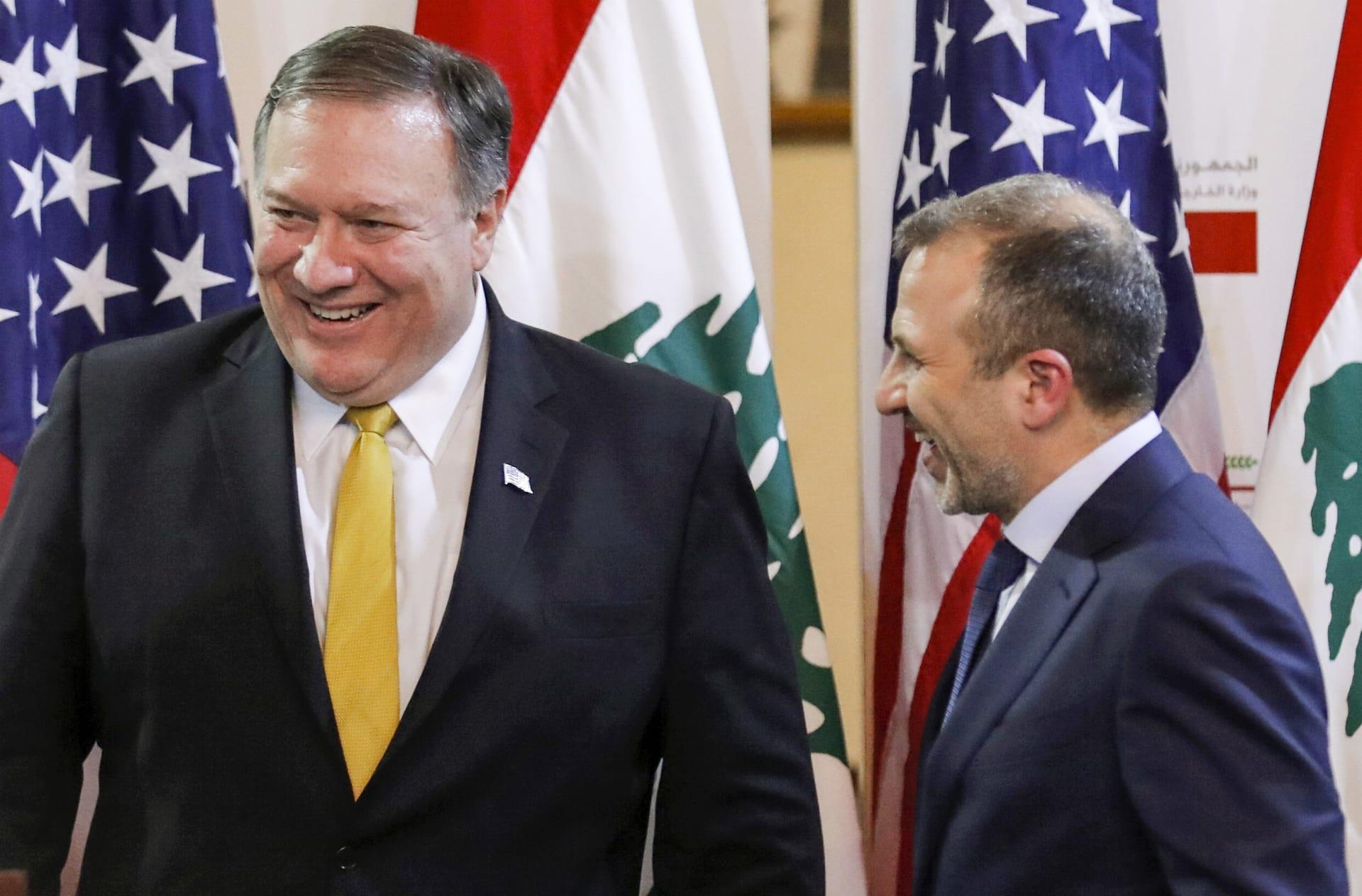 """أمام باسيل.. بومبيو يهاجم حزب الله ويتهمه بـ""""سرقة"""" موارد اللبنانيين"""