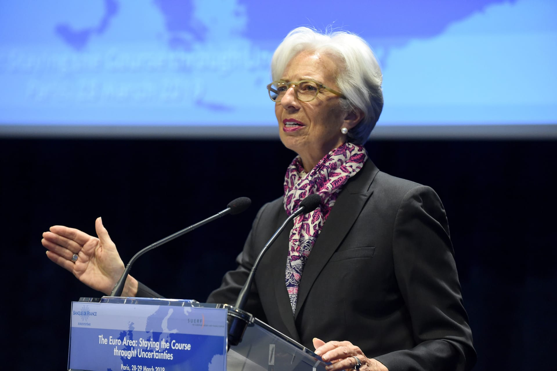 لاغارد: الاقتصاد العالمي يخسر 1.5 تريليون دولار بسبب الرشوة
