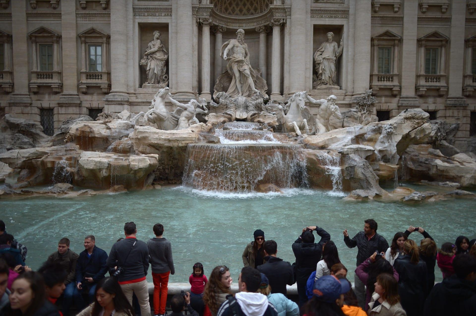 أجمل الأماكن التي يمكنك زيارتها في روما  - نافورة تريفي