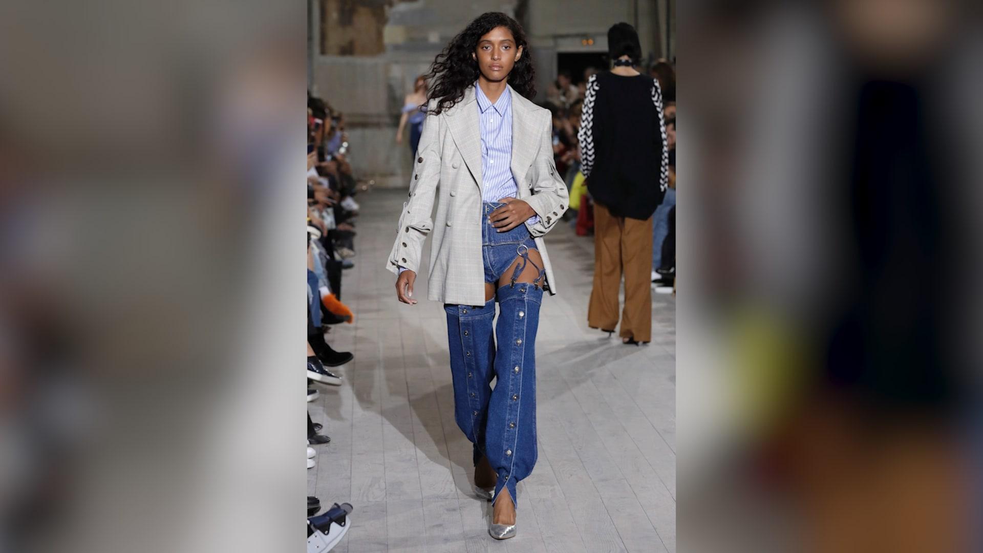جينز على هيئة سروال داخلي خاص بالنساء.. كيف يبدو؟