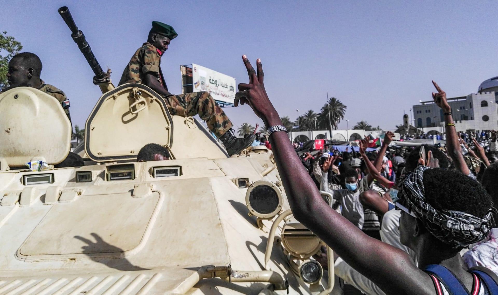 المجلس العسكري في السودان يجري اتصالات مع السعودية والإمارات وقطر